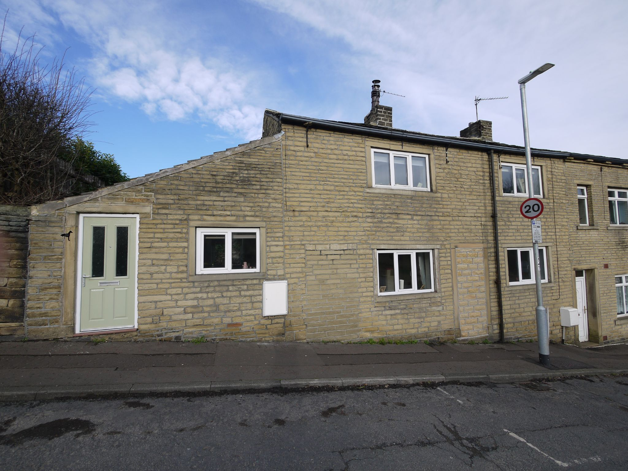 2 bedroom cottage house SSTC in Calderdale - Main.