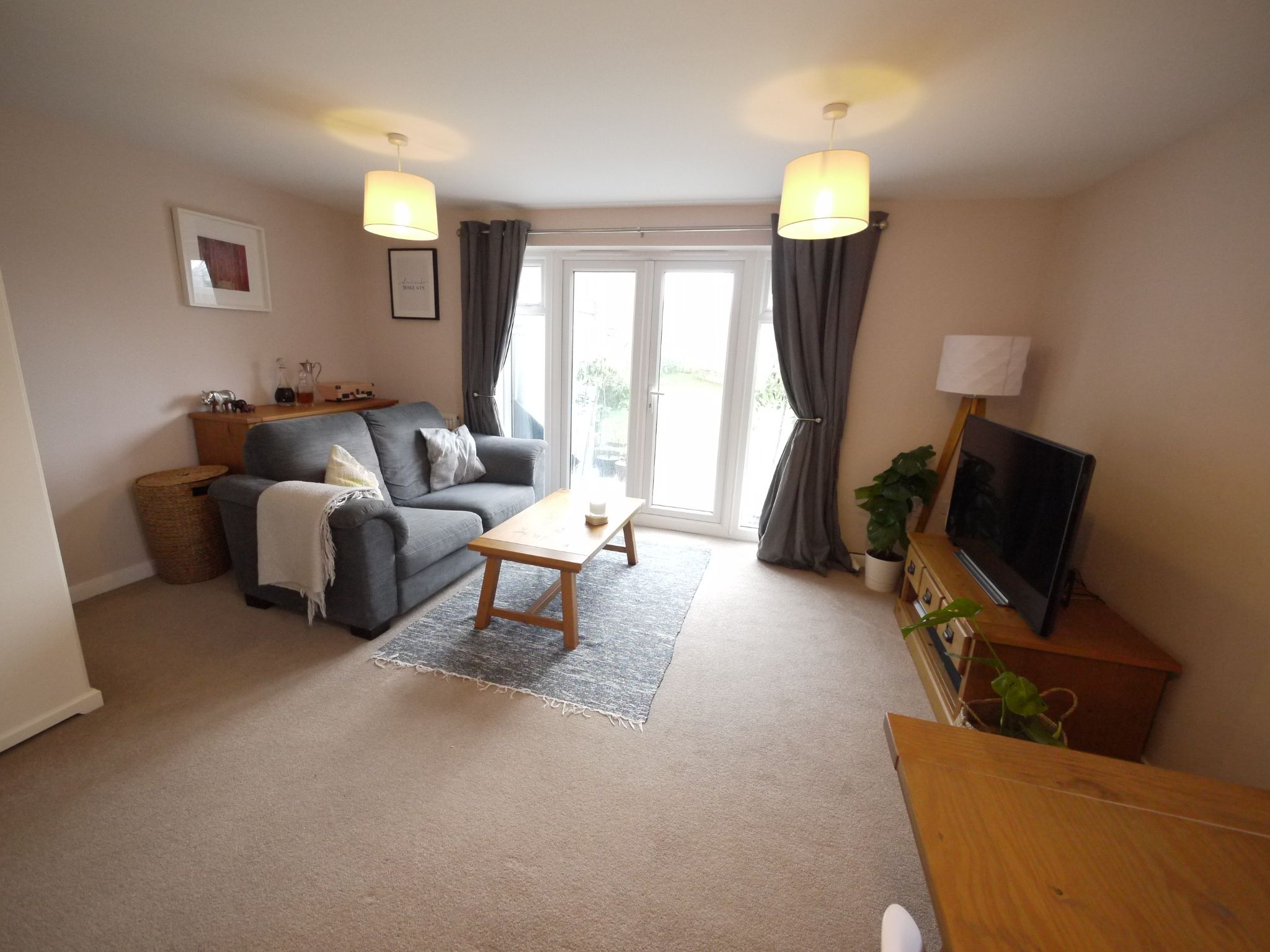 3 bedroom end terraced house SSTC in Cleckheaton - Lounge 2.