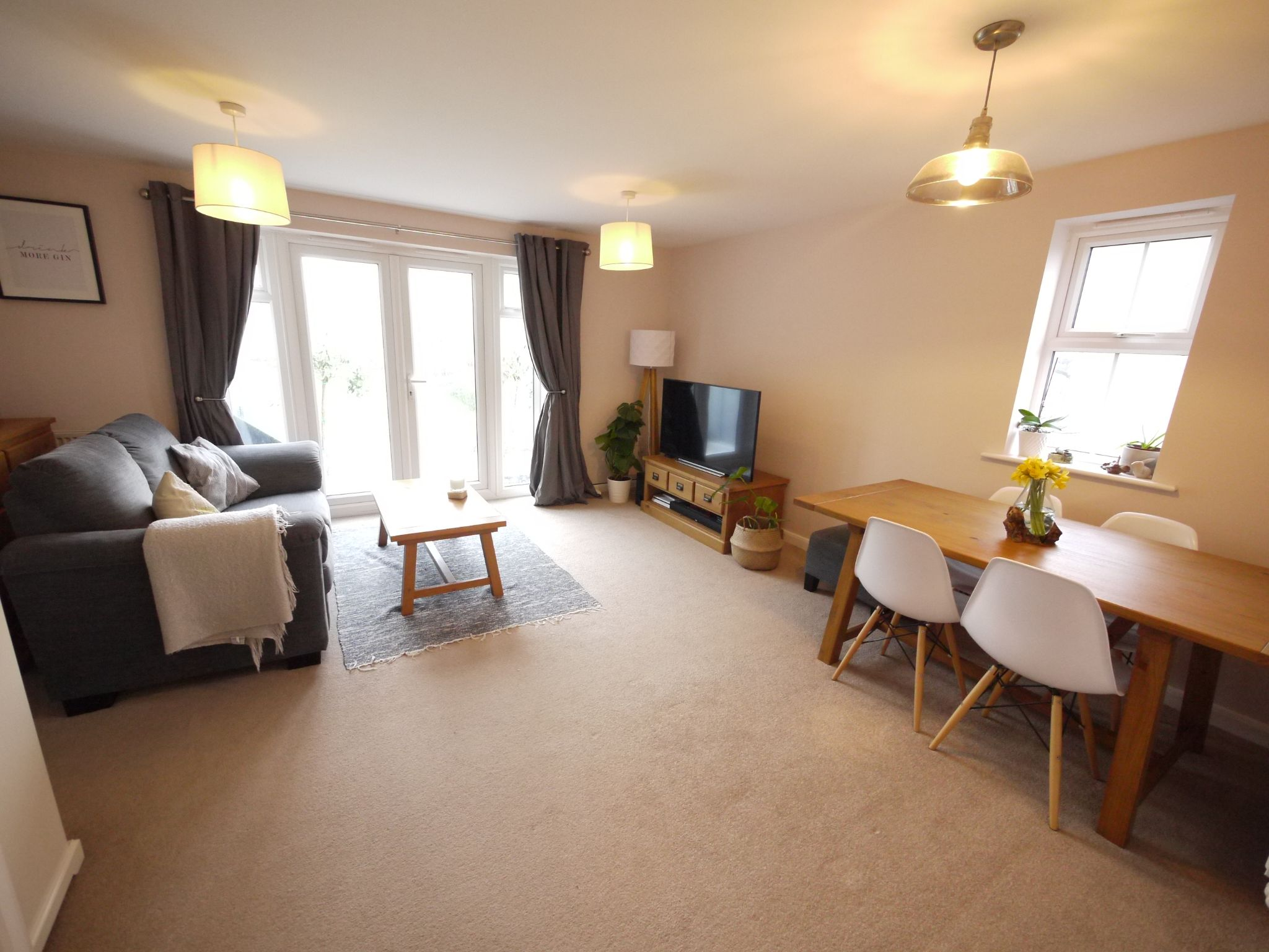 3 bedroom end terraced house SSTC in Cleckheaton - Lounge 1.