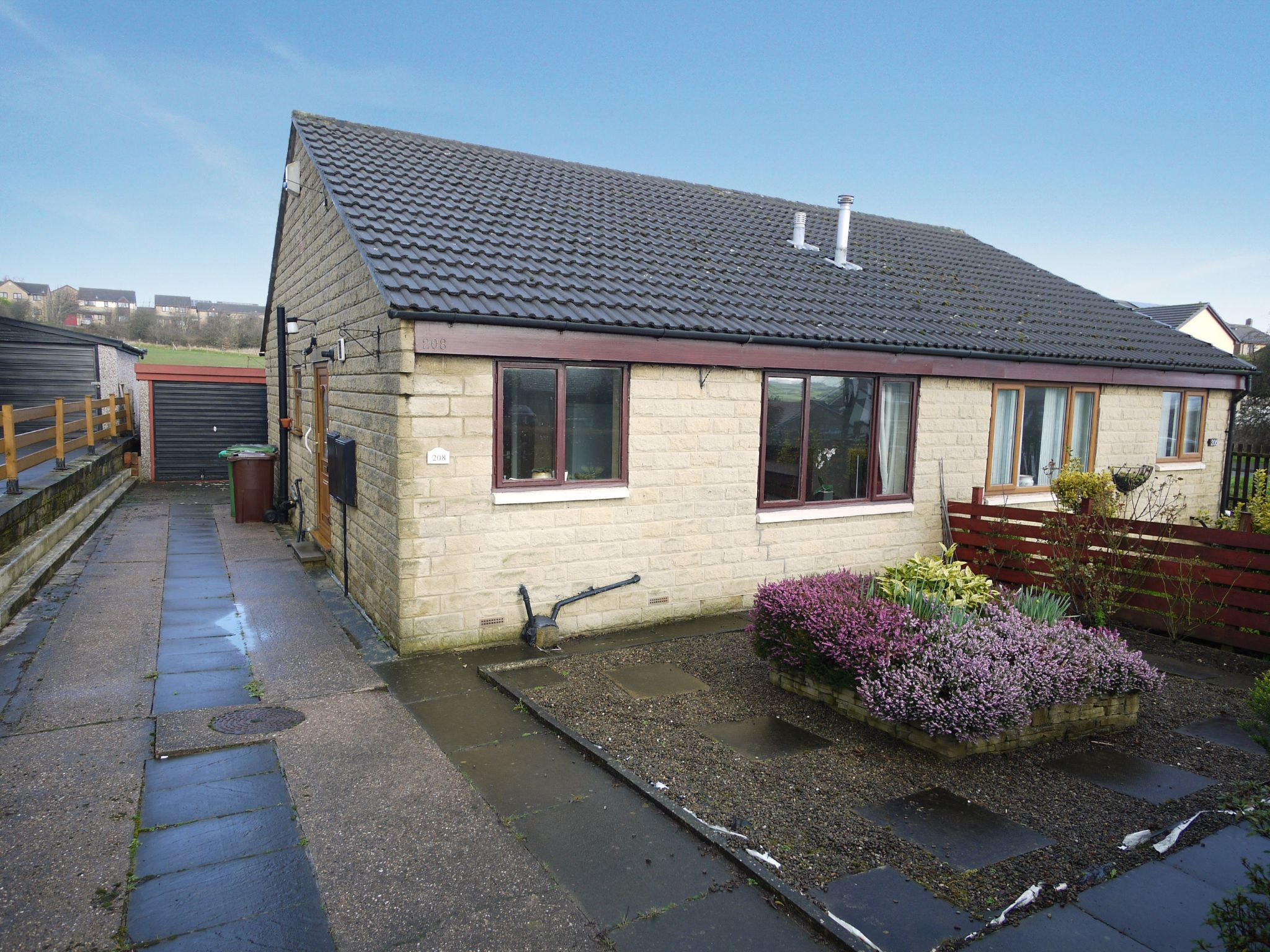 2 bedroom semi-detached bungalow SSTC in Huddersfield - Main.