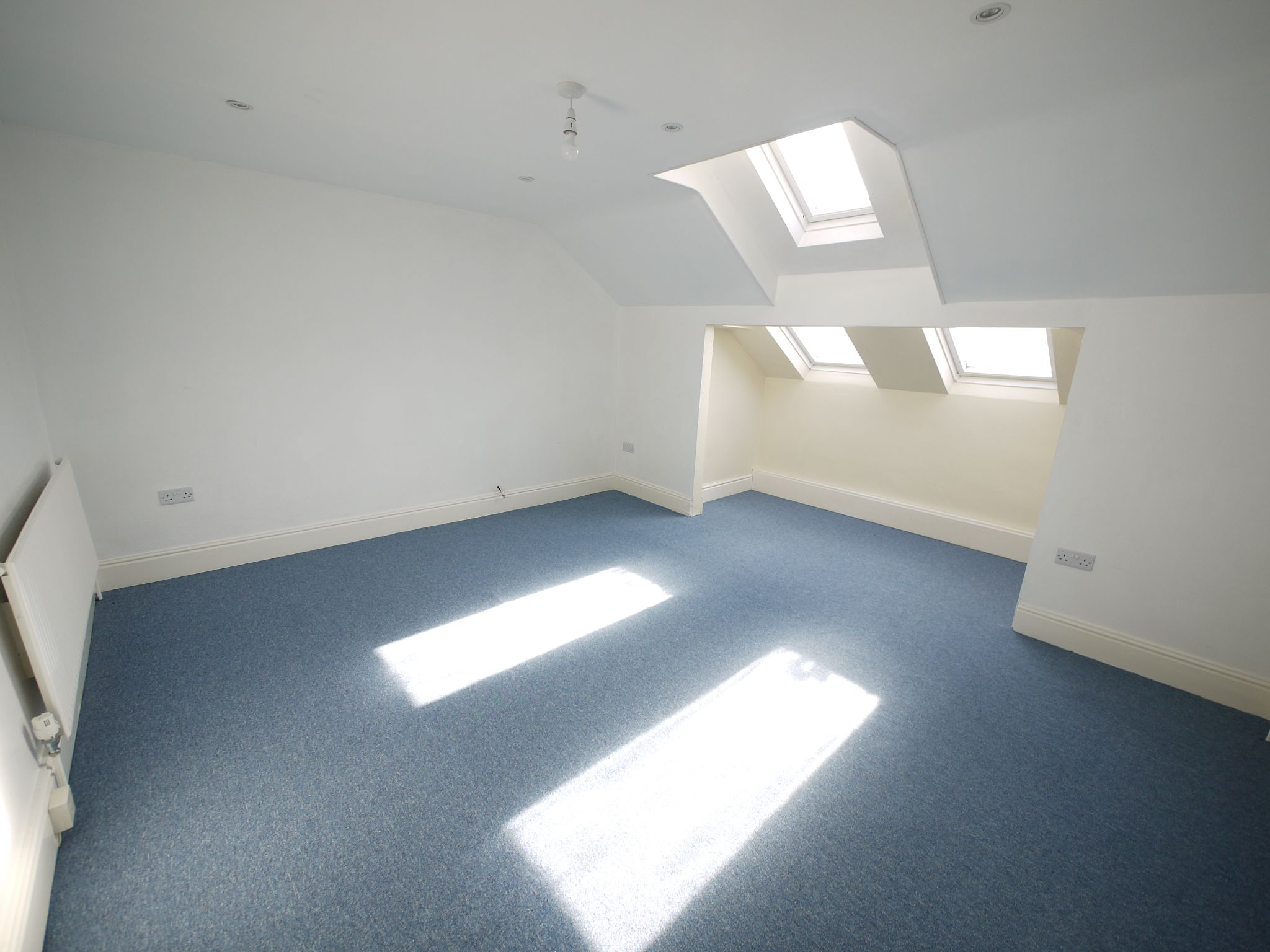 1 bedroom apartment flat/apartment To Let in Brighouse - Photograph 7.