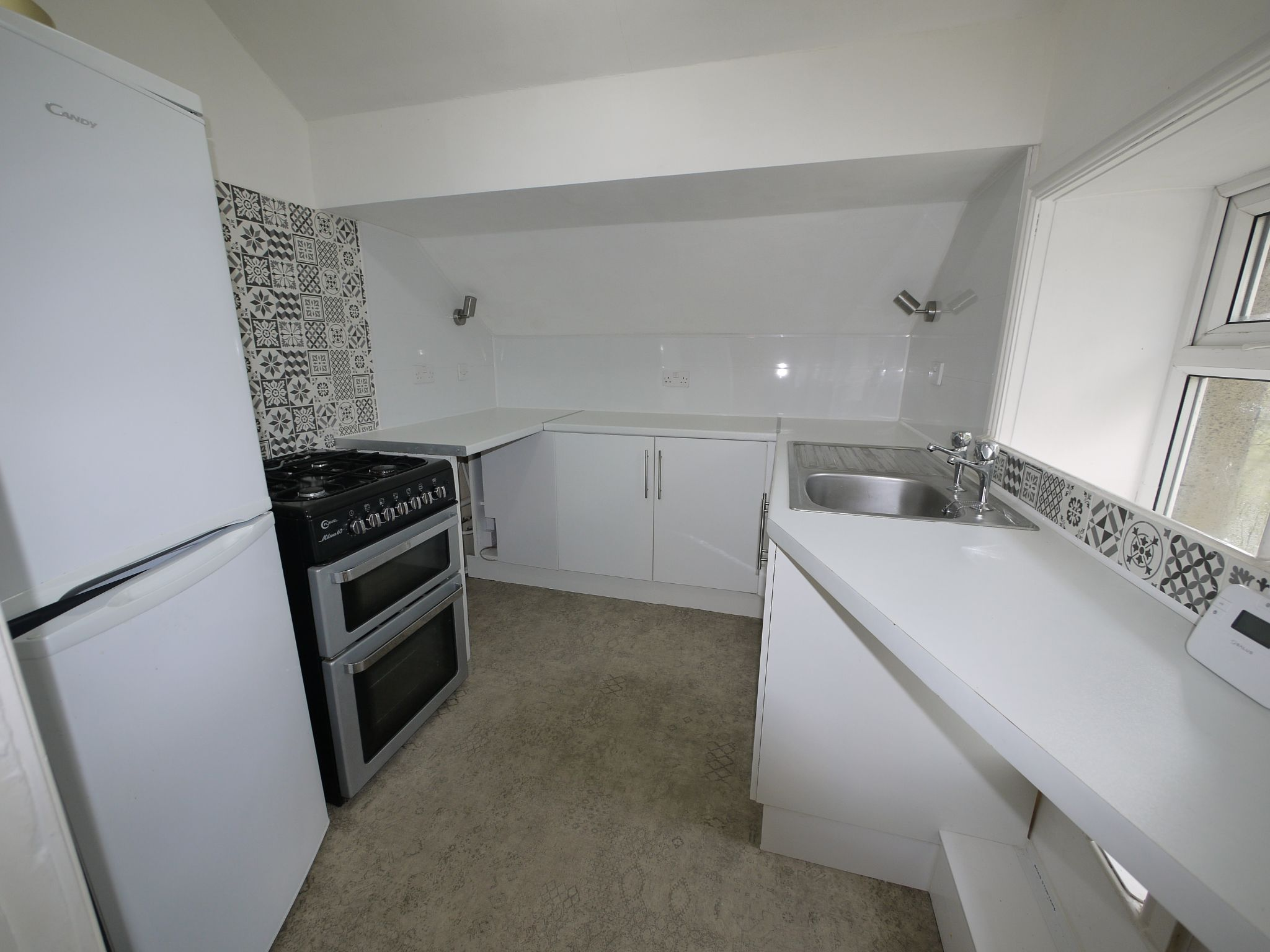 1 bedroom apartment flat/apartment To Let in Brighouse - Photograph 3.