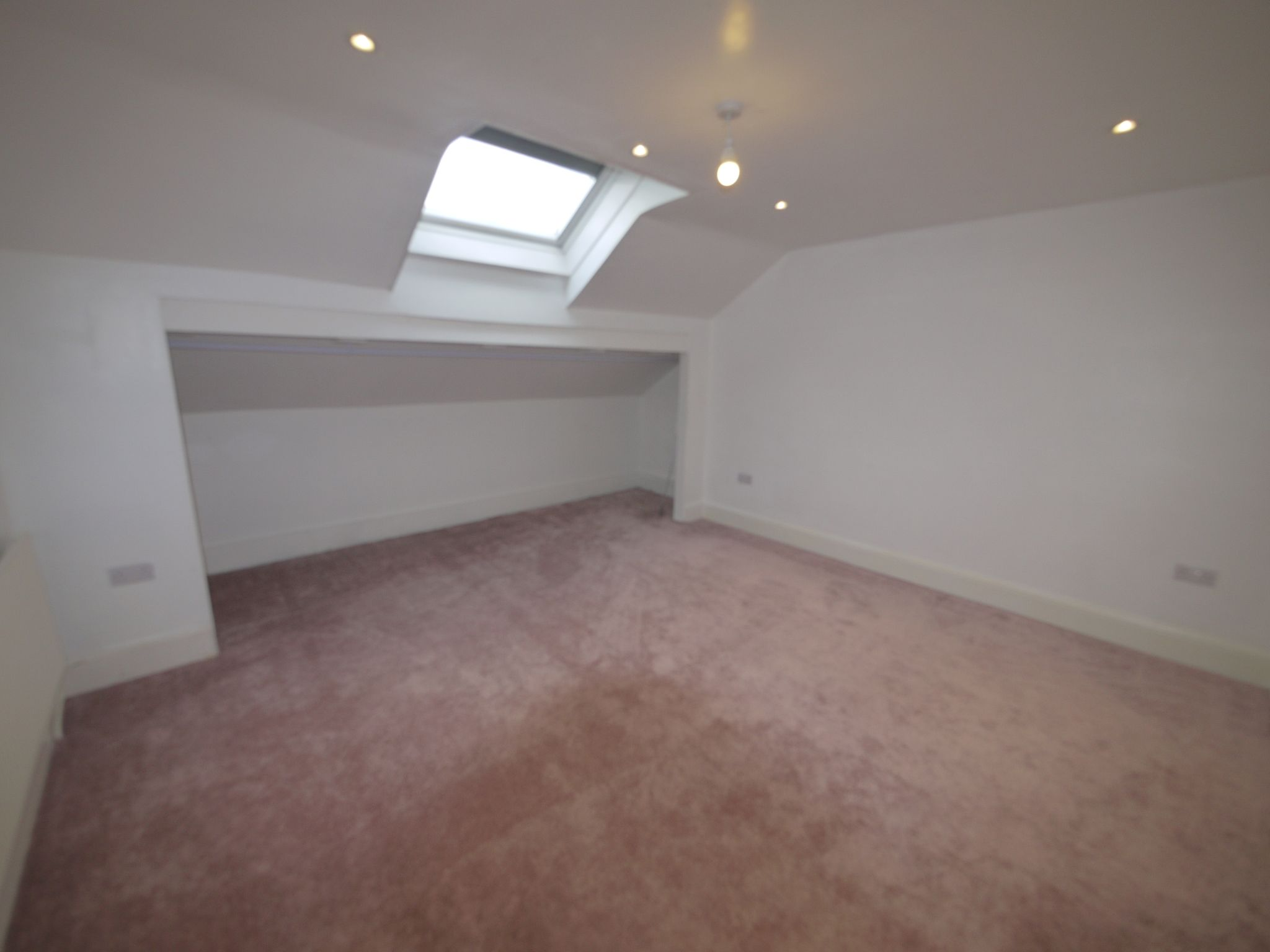1 bedroom apartment flat/apartment To Let in Brighouse - Photograph 2.