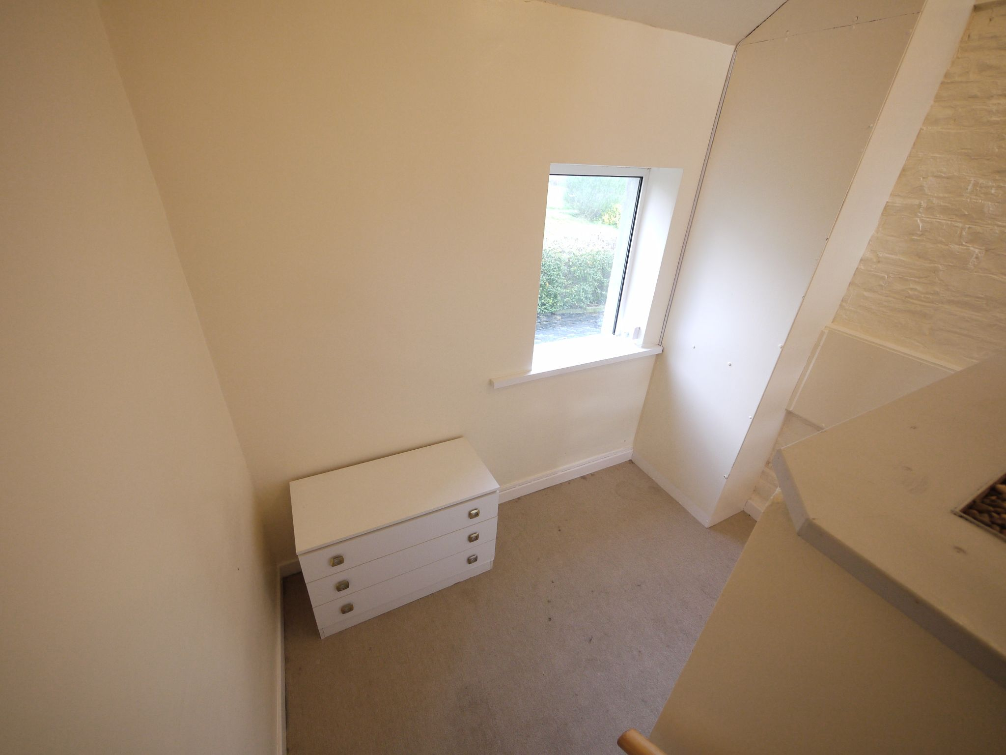 1 bedroom apartment flat/apartment To Let in Brighouse - Photograph 4.