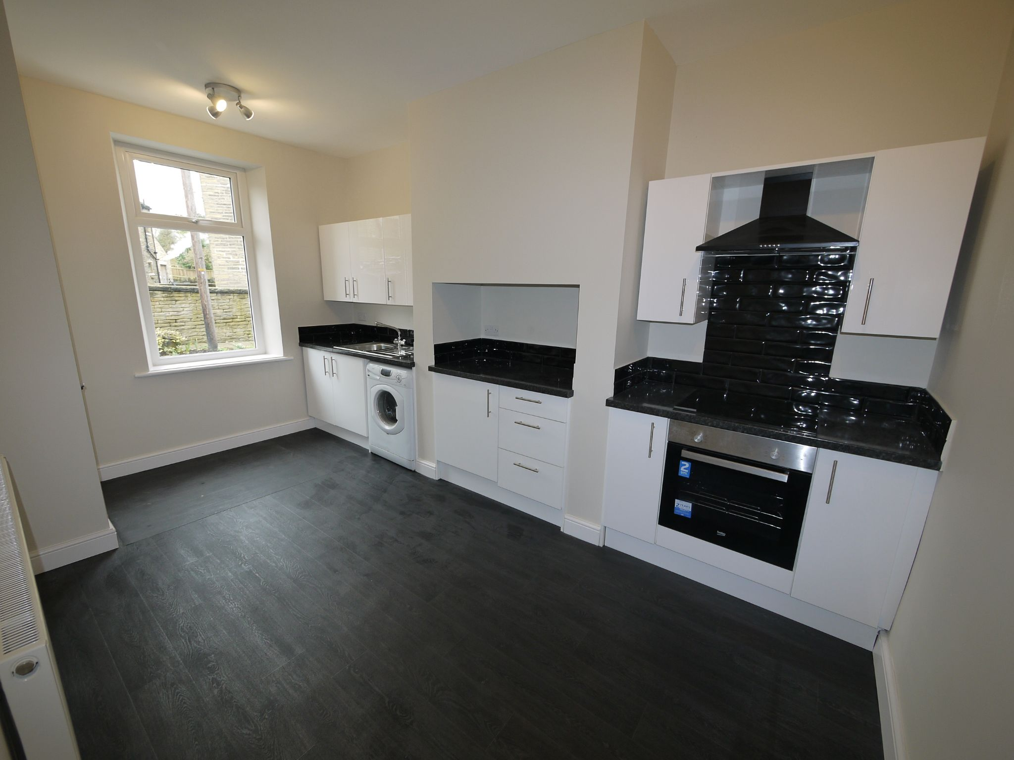 2 bedroom end terraced house SSTC in Brighouse - Kitchen 2.