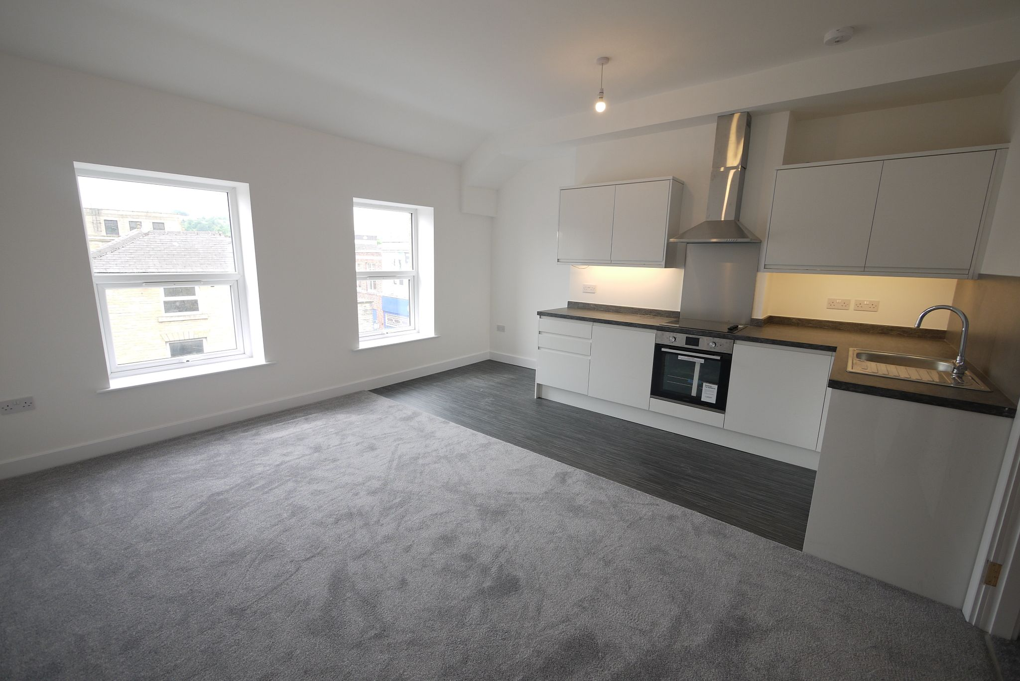 1 bedroom apartment flat/apartment To Let in Brighouse - Lounge.