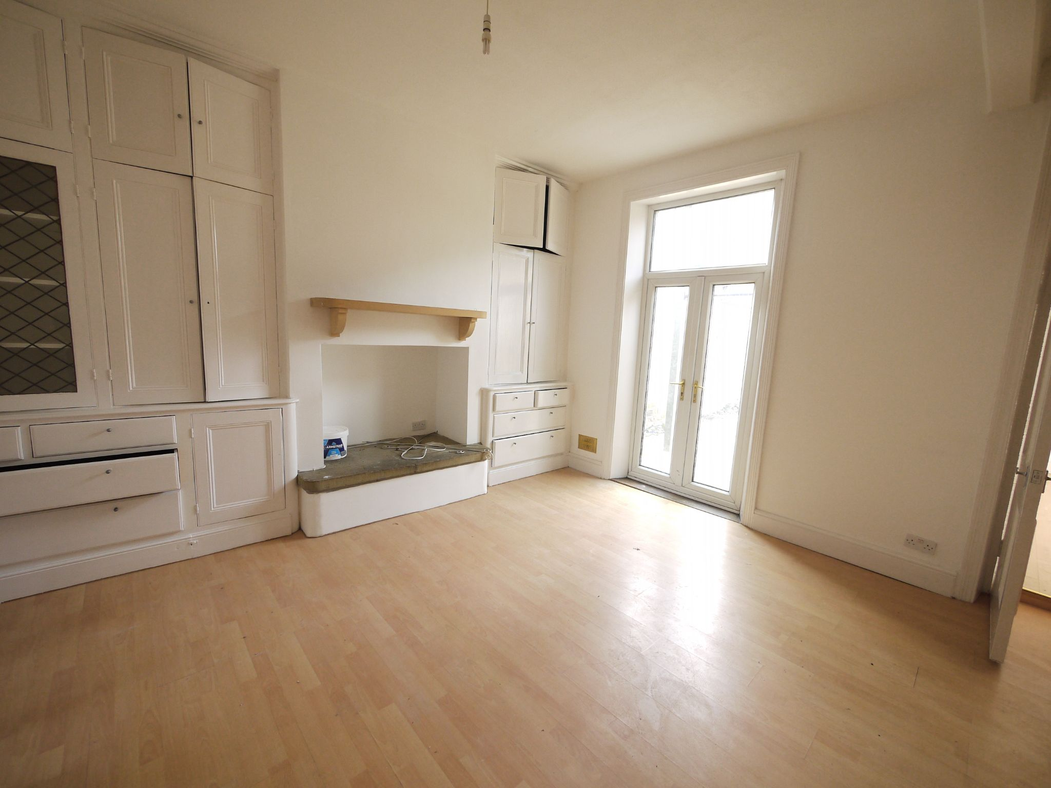 2 bedroom ground floor flat/apartment To Let in Halifax - Lounge.