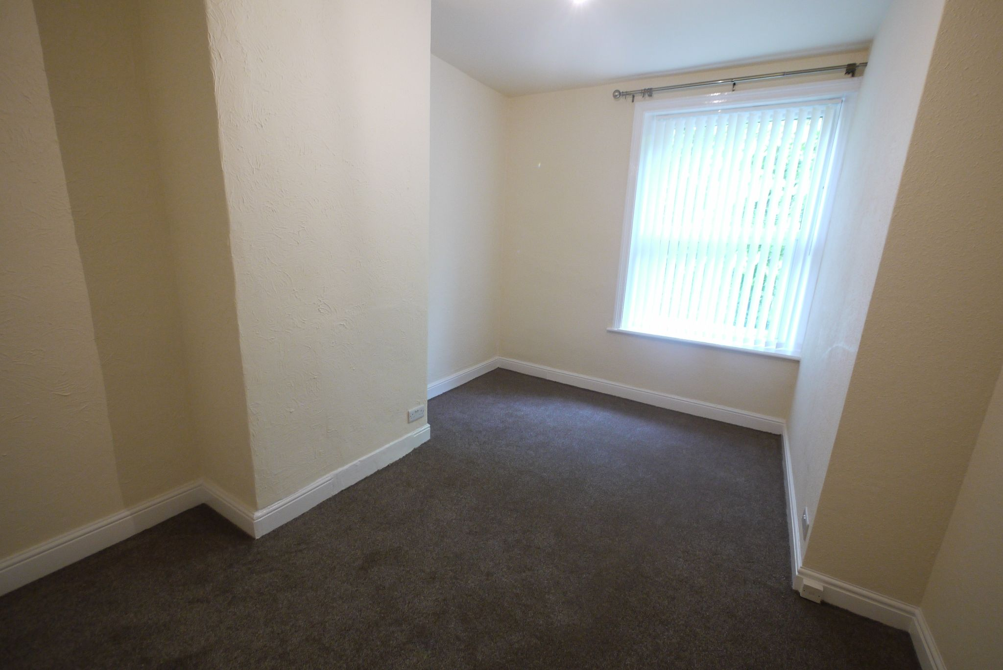 2 bedroom mid terraced house To Let in Halifax - Bedroom 1.