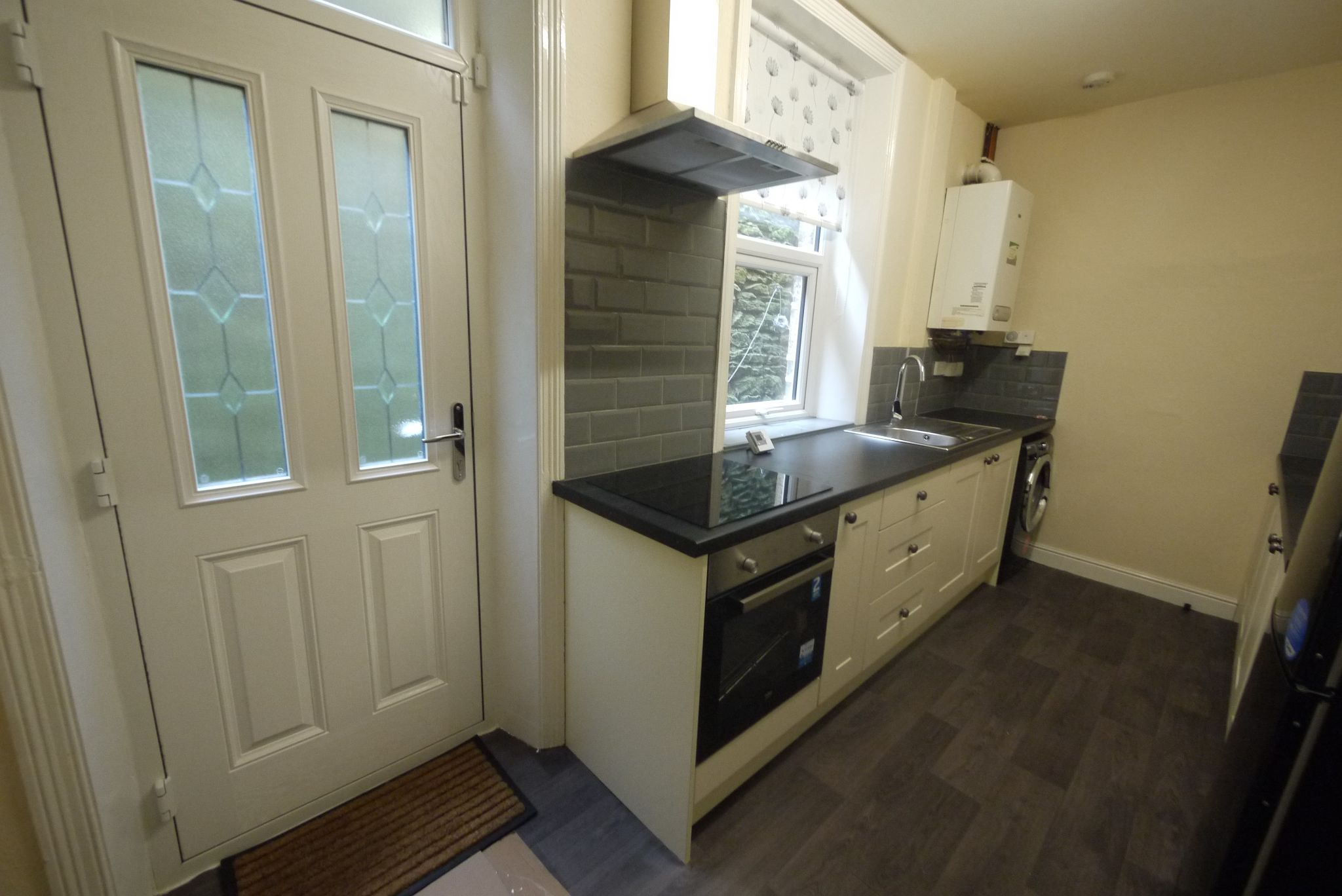 2 bedroom mid terraced house To Let in Halifax - Kitchen.