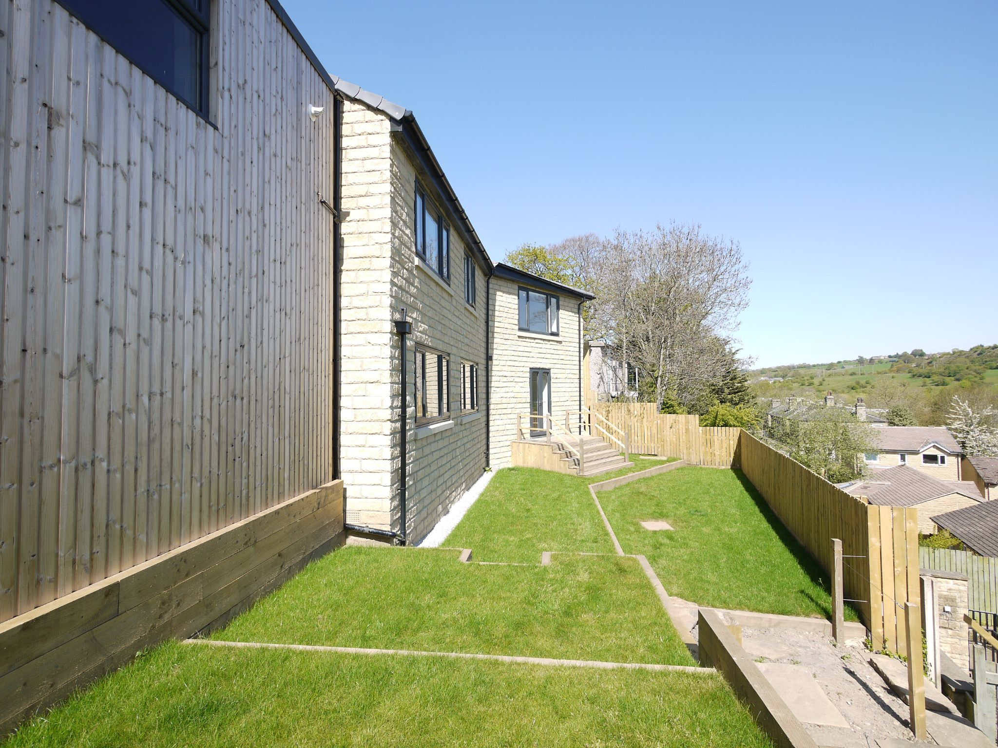 3 bedroom detached house For Sale in Brighouse - Garden 2.