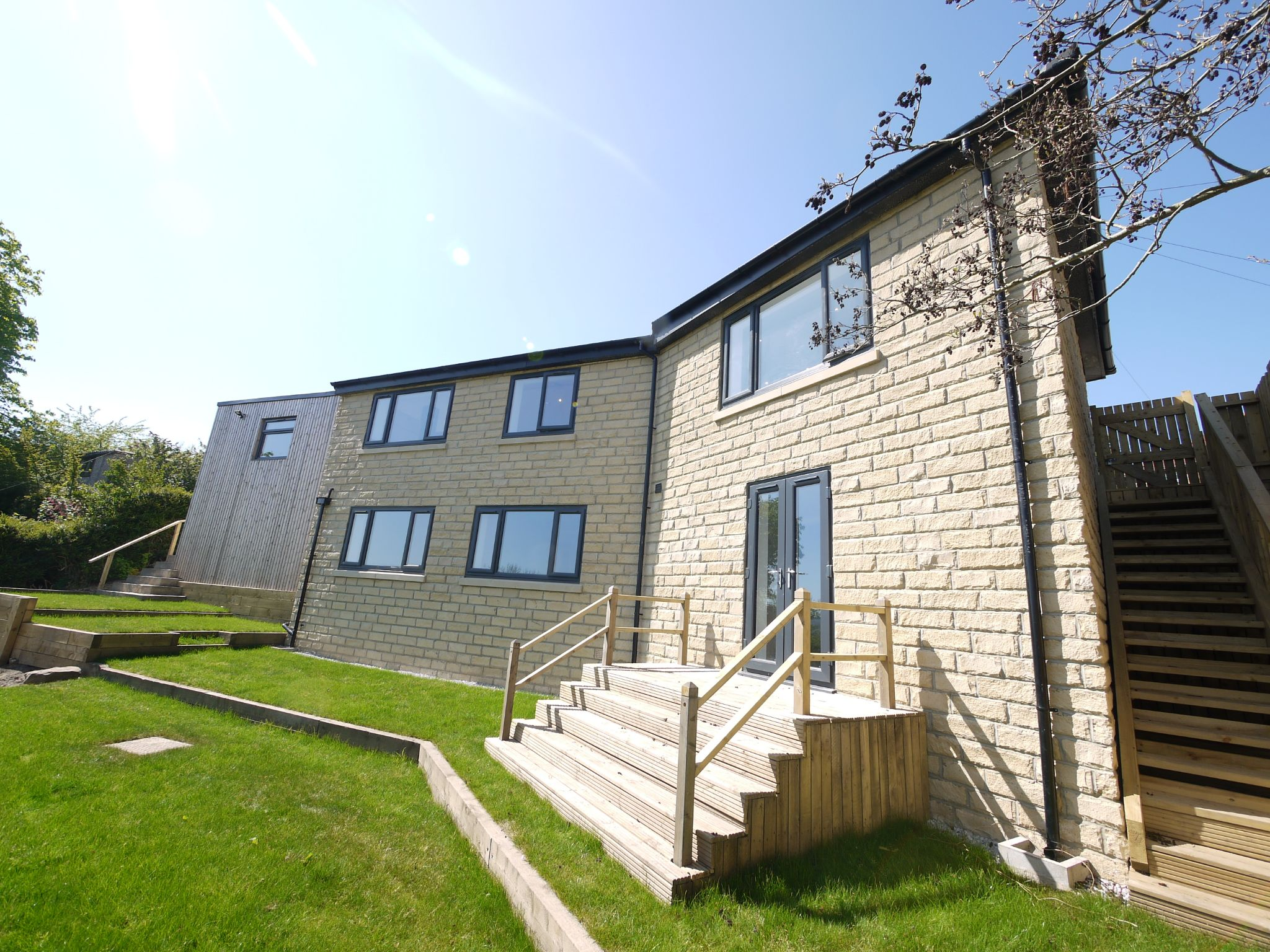3 bedroom detached house For Sale in Brighouse - Main.