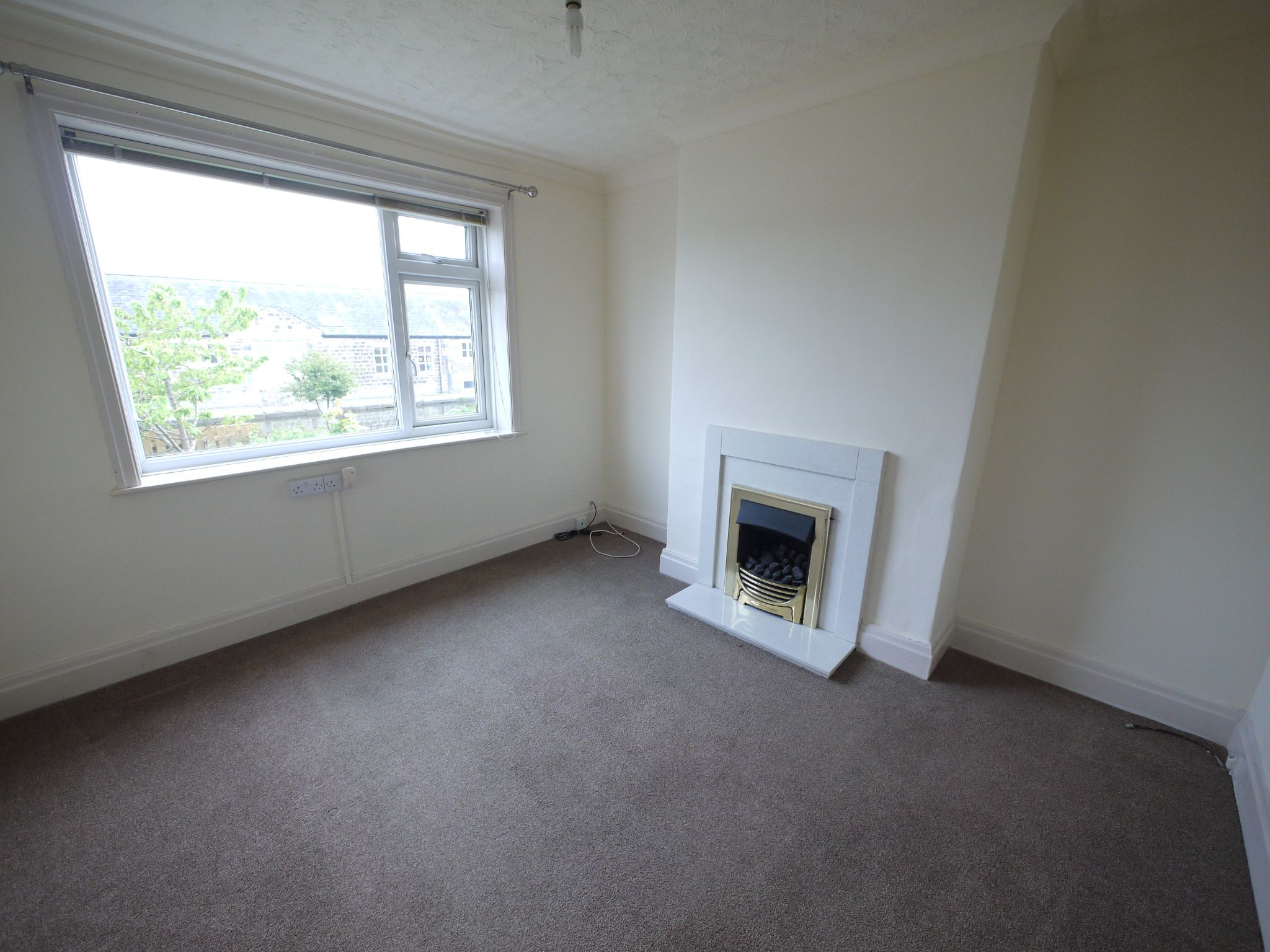 3 bedroom semi-detached house To Let in Riddlesden - Dining Room.