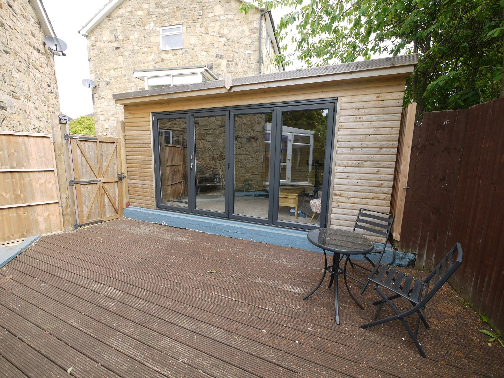 4 bedroom semi-detached house For Sale in Brighouse - Summer House.