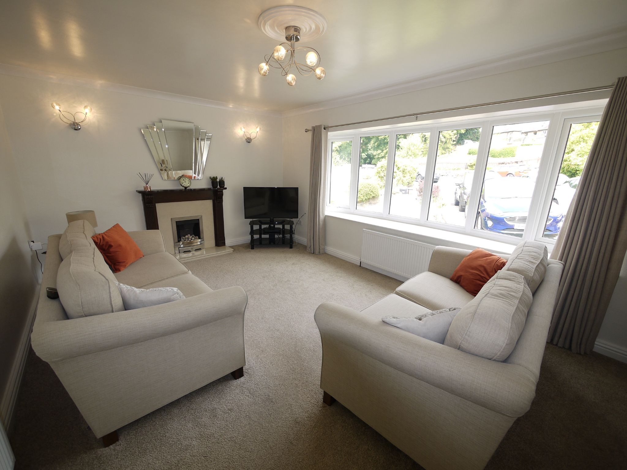 4 bedroom semi-detached house For Sale in Brighouse - Lounge.
