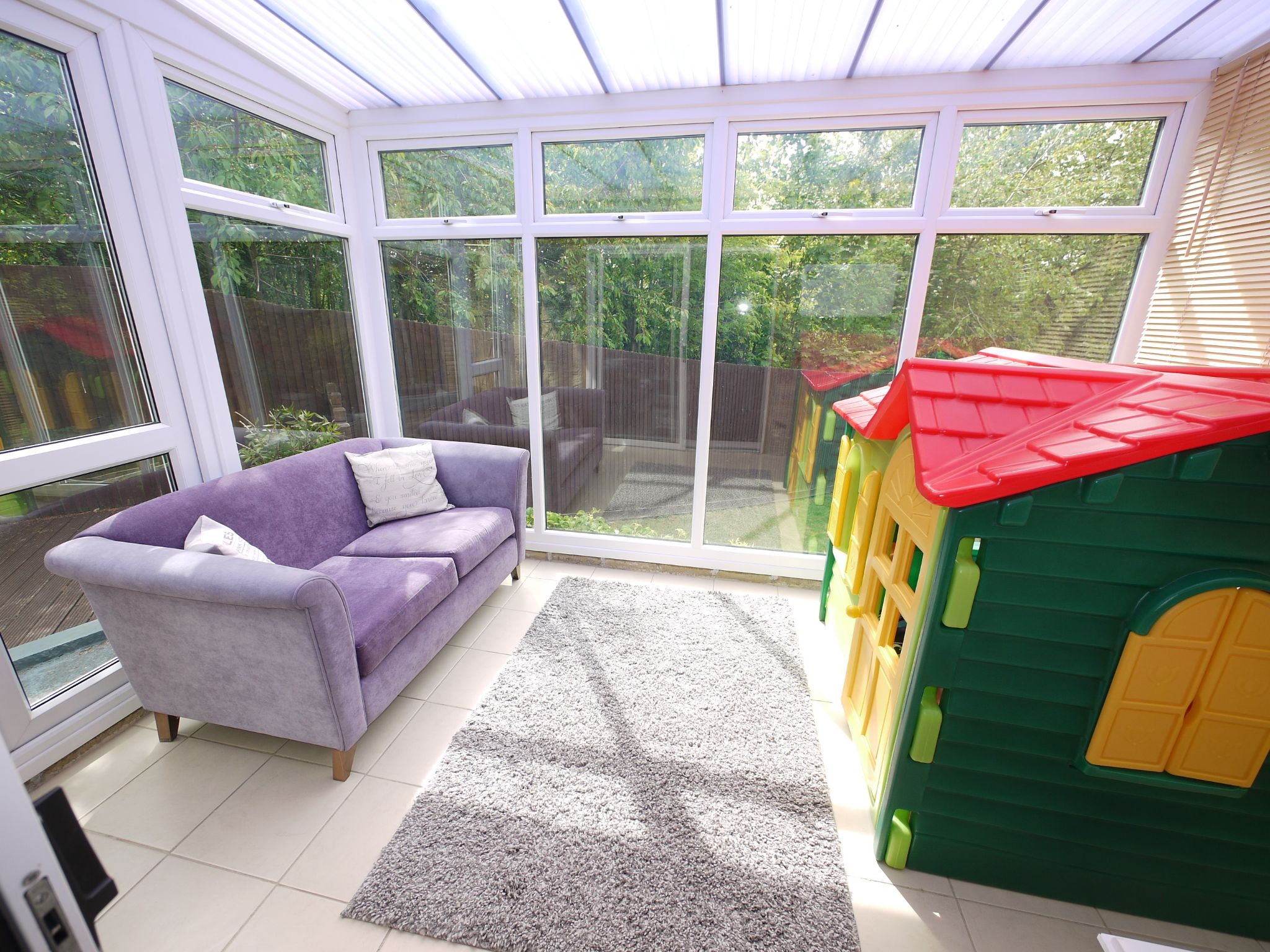 4 bedroom semi-detached house For Sale in Brighouse - Conservatory.