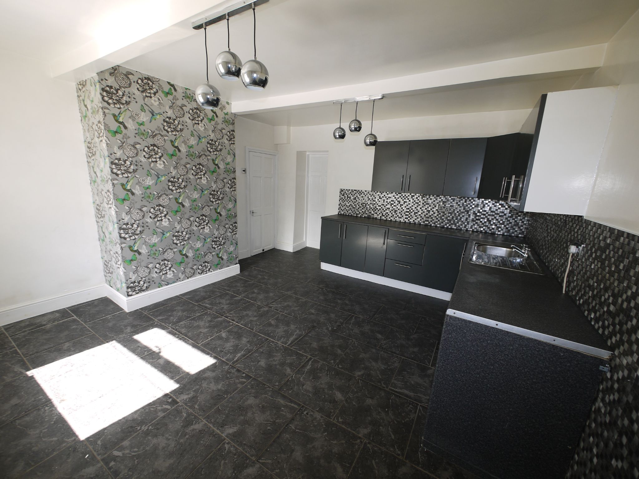 3 bedroom detached house For Sale in Brighouse - Dining Kitchen.