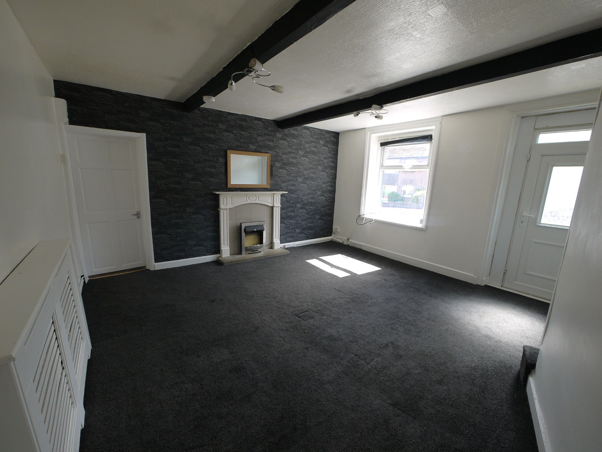 3 bedroom detached house For Sale in Brighouse - Lounge.
