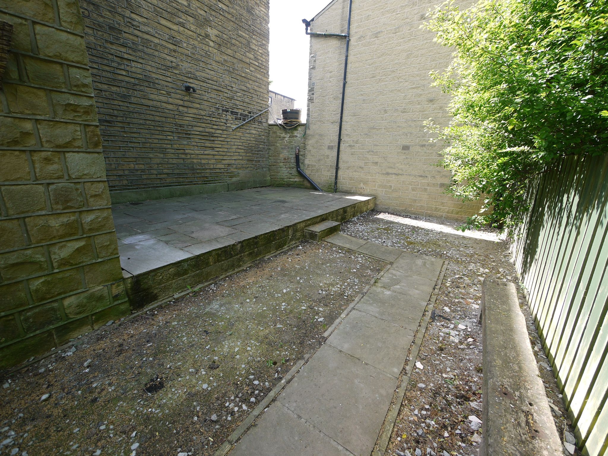 3 bedroom detached house For Sale in Brighouse - Exterior.