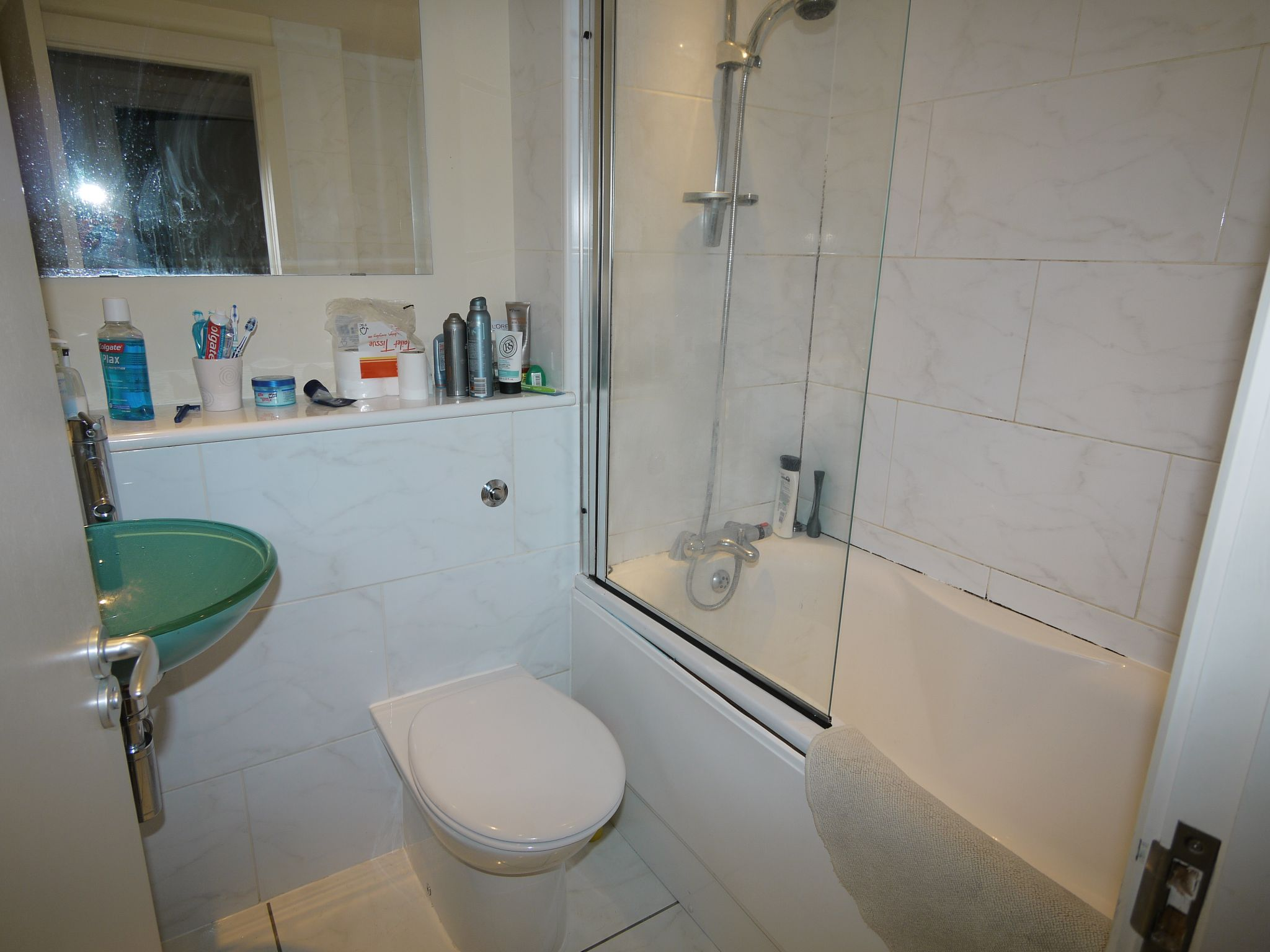 2 bedroom apartment flat/apartment To Let in Brighouse - Bathroom.