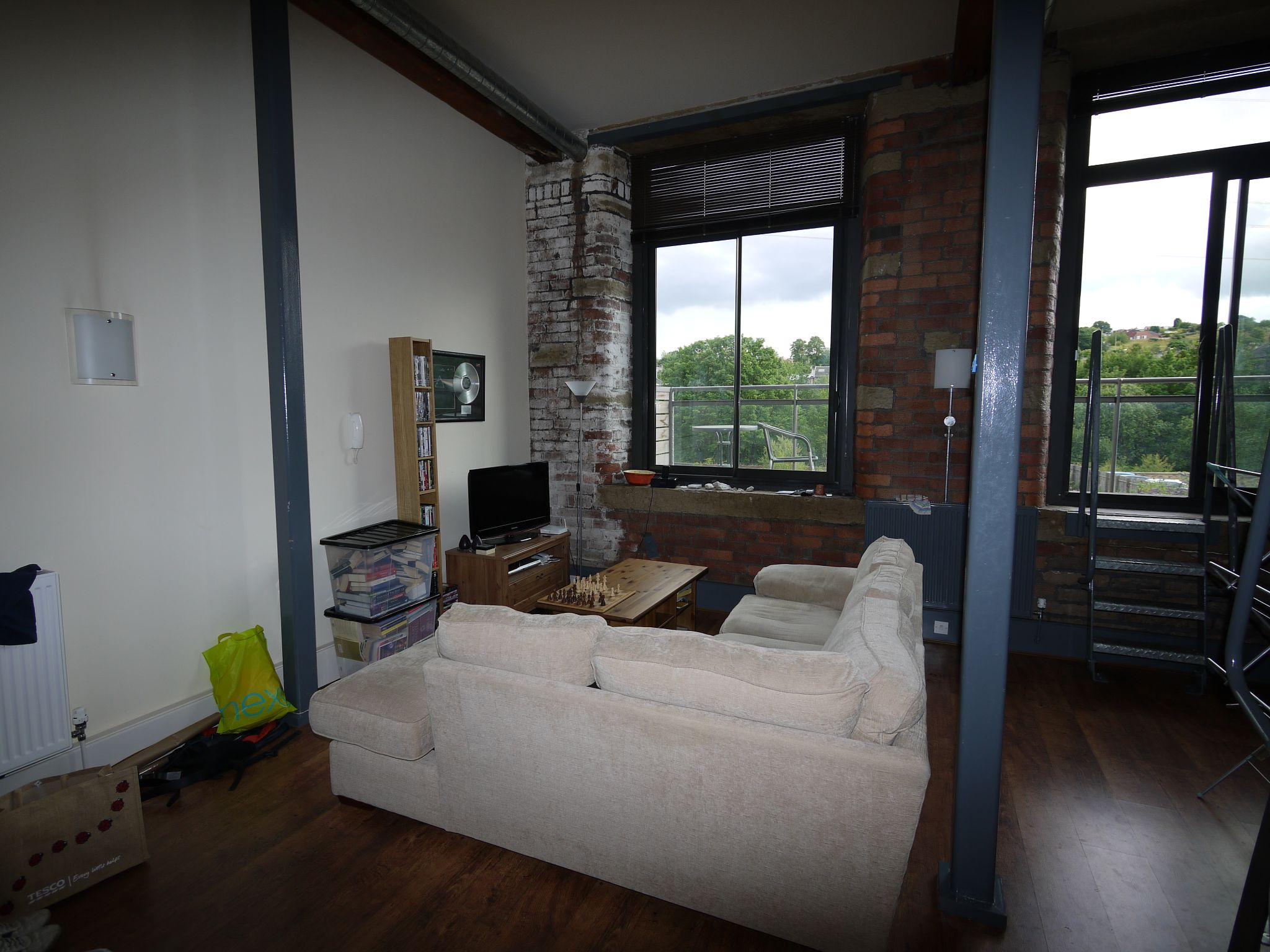 2 bedroom apartment flat/apartment To Let in Brighouse - Lounge area.