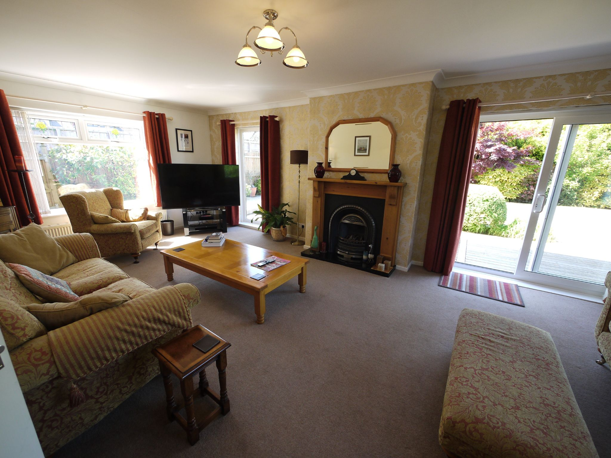 5 bedroom detached house SSTC in Brighouse - Lounge.