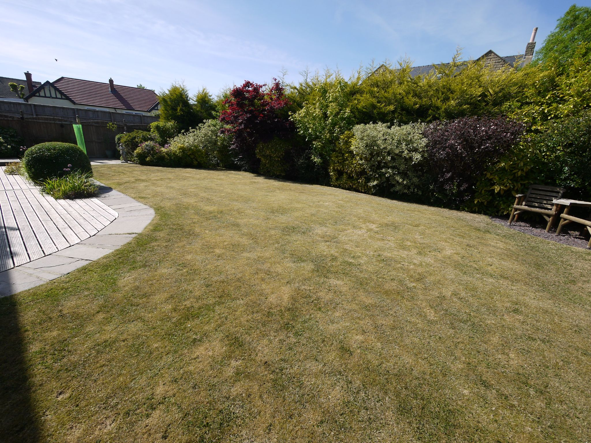 5 bedroom detached house SSTC in Brighouse - Garden.