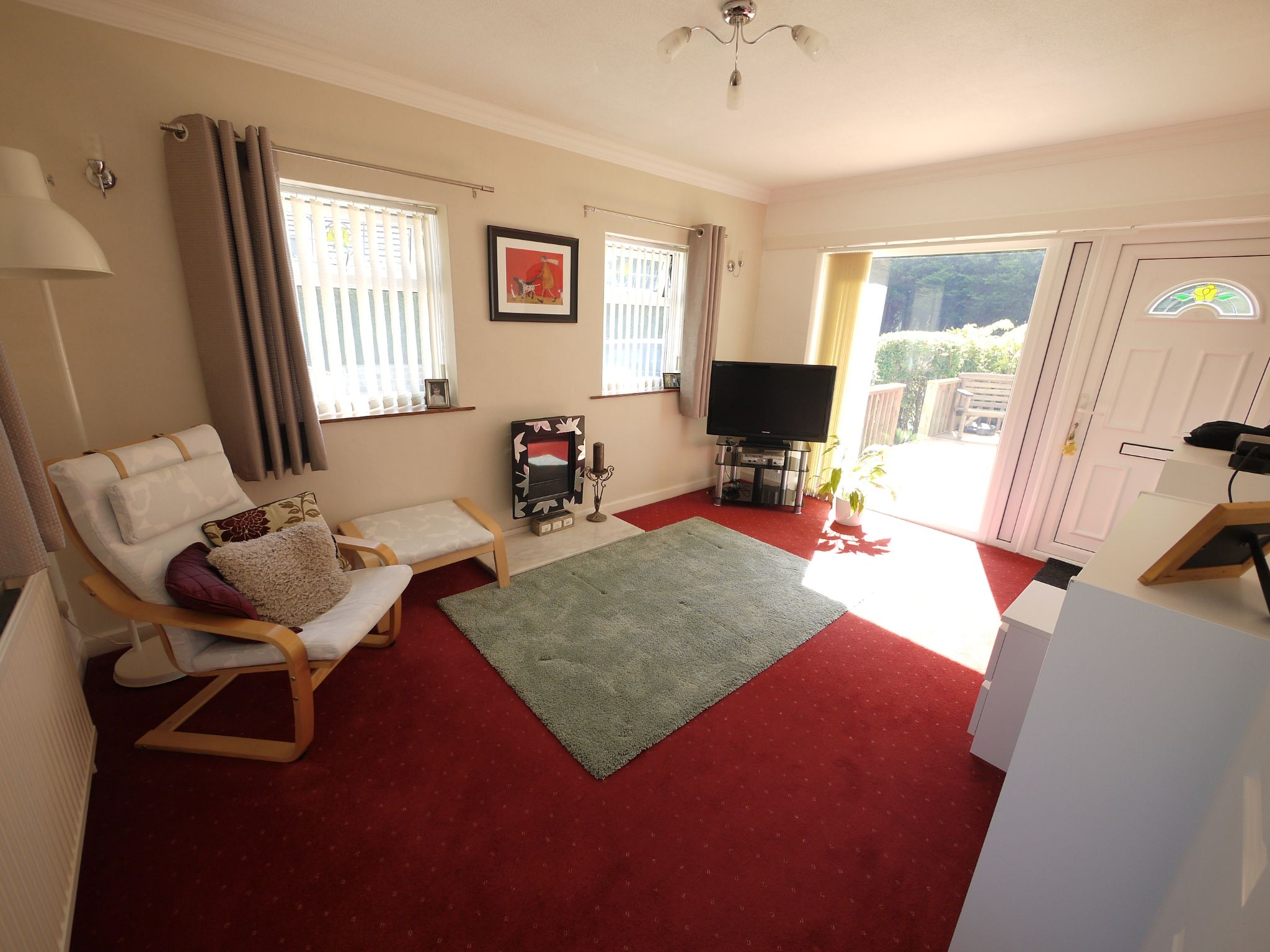 5 bedroom detached house SSTC in Brighouse - Annex lounge.