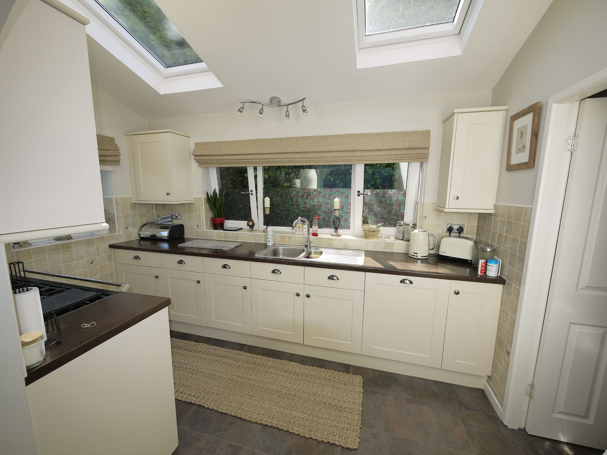 5 bedroom detached house SSTC in Brighouse - Kitchen.
