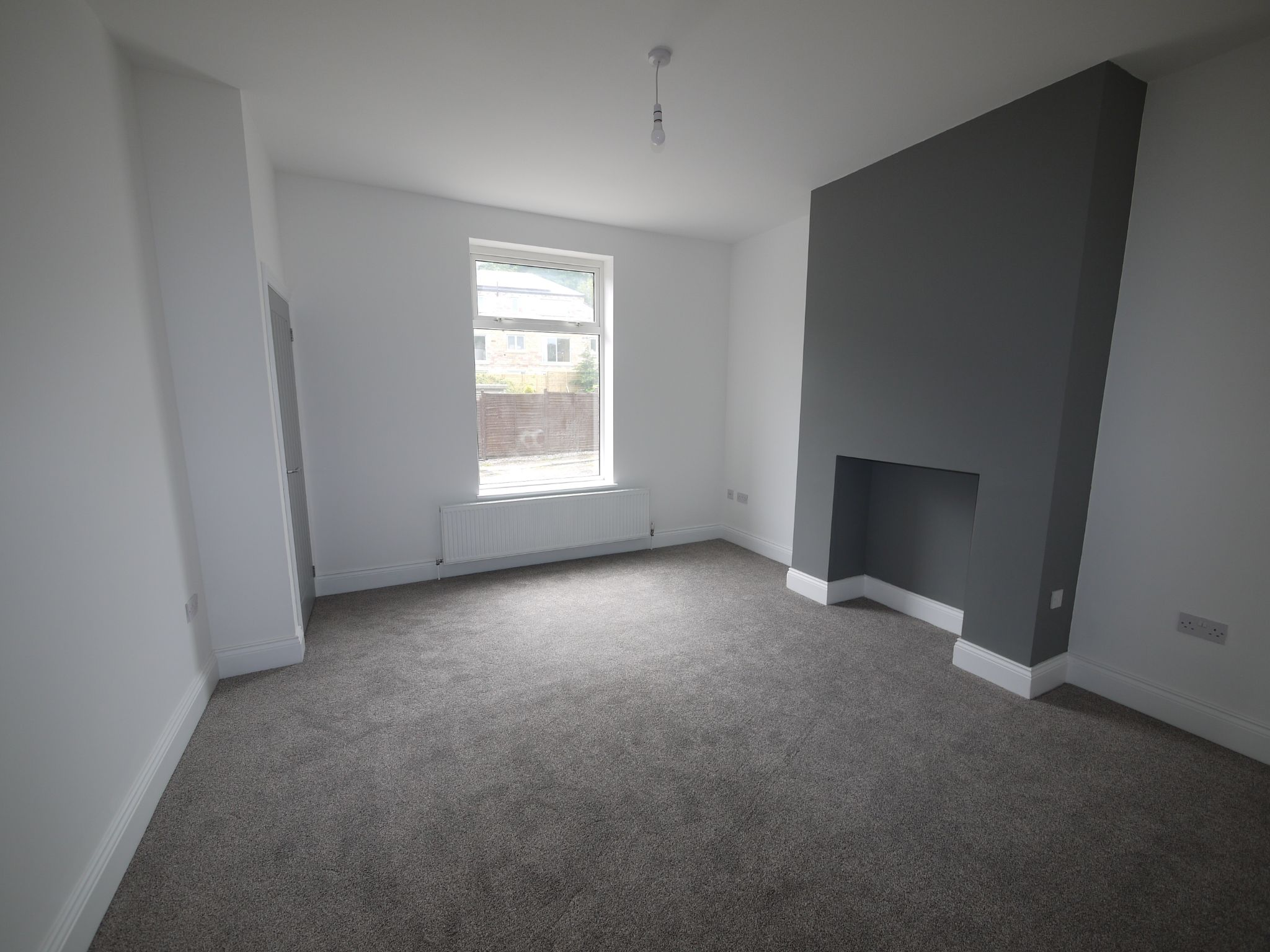 3 bedroom mid terraced house For Sale in Brighouse - Lounge.