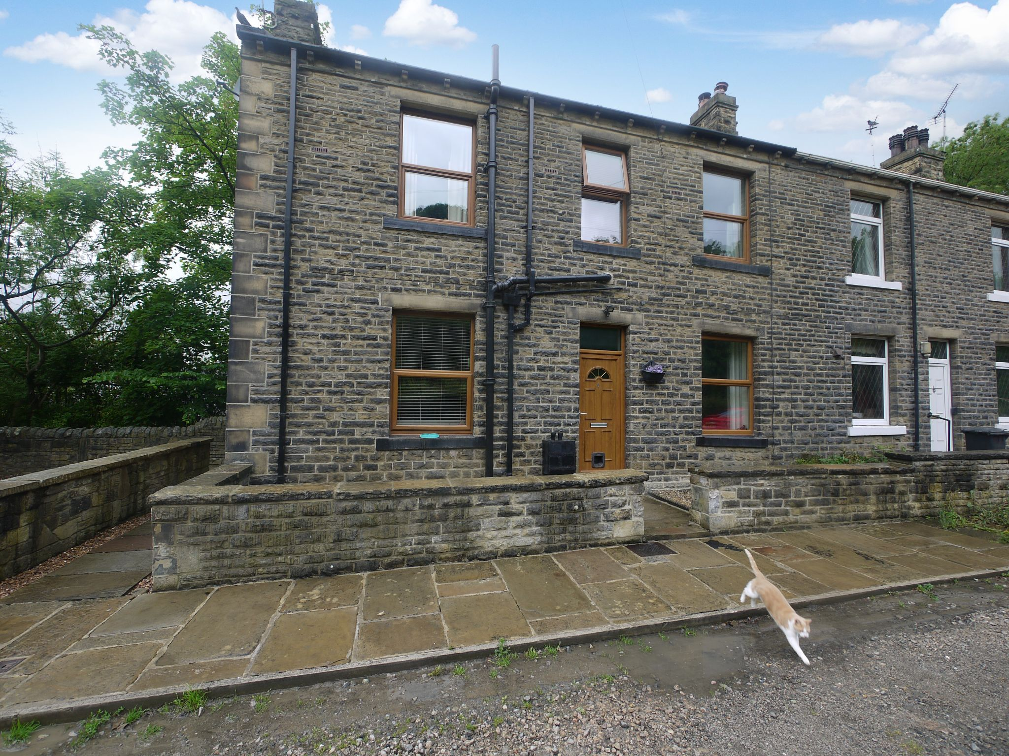 2 bedroom end terraced house SSTC in Brighouse - Main.