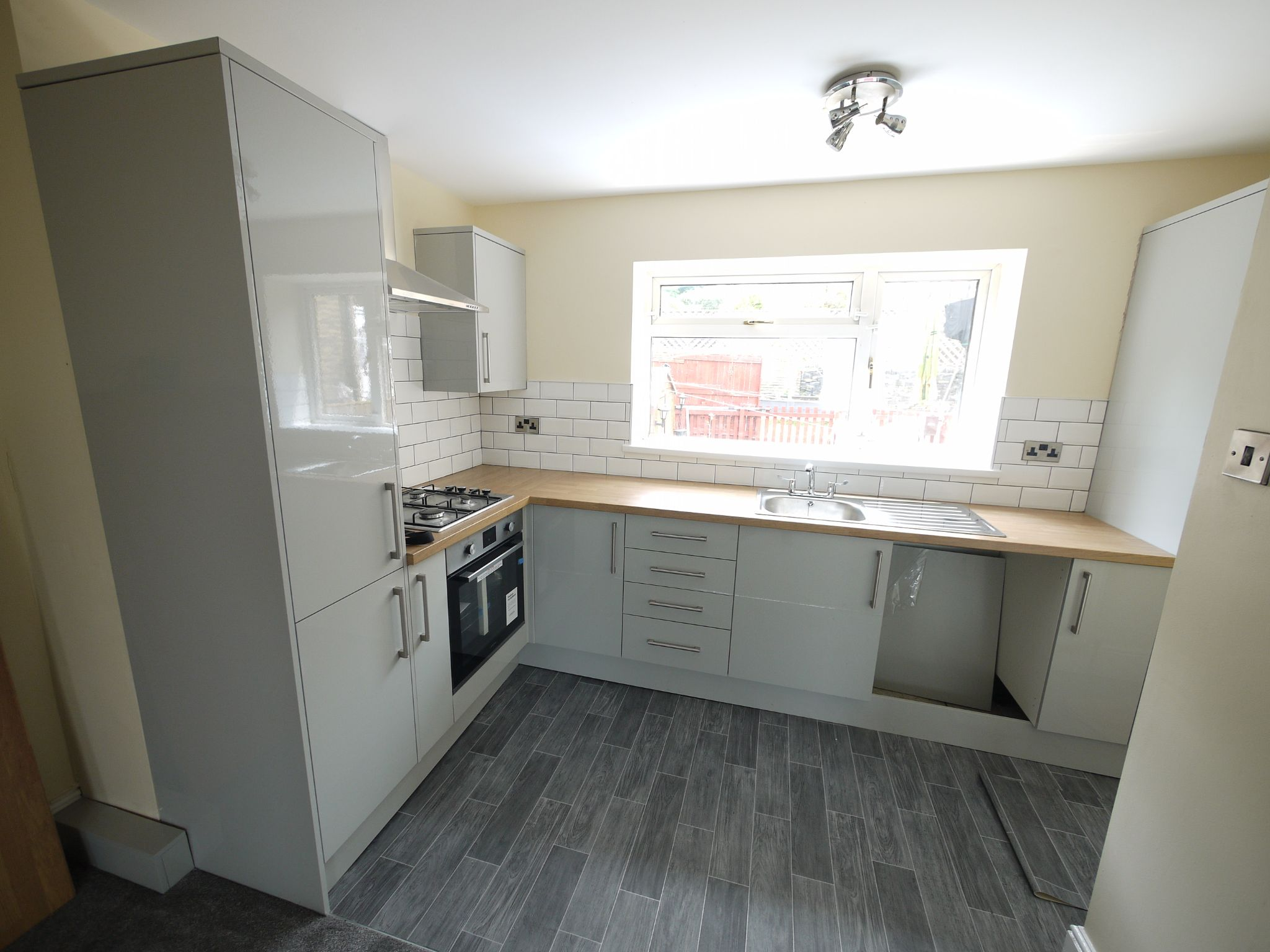 2 bedroom mid terraced house For Sale in Brighouse - Kitchen 1.