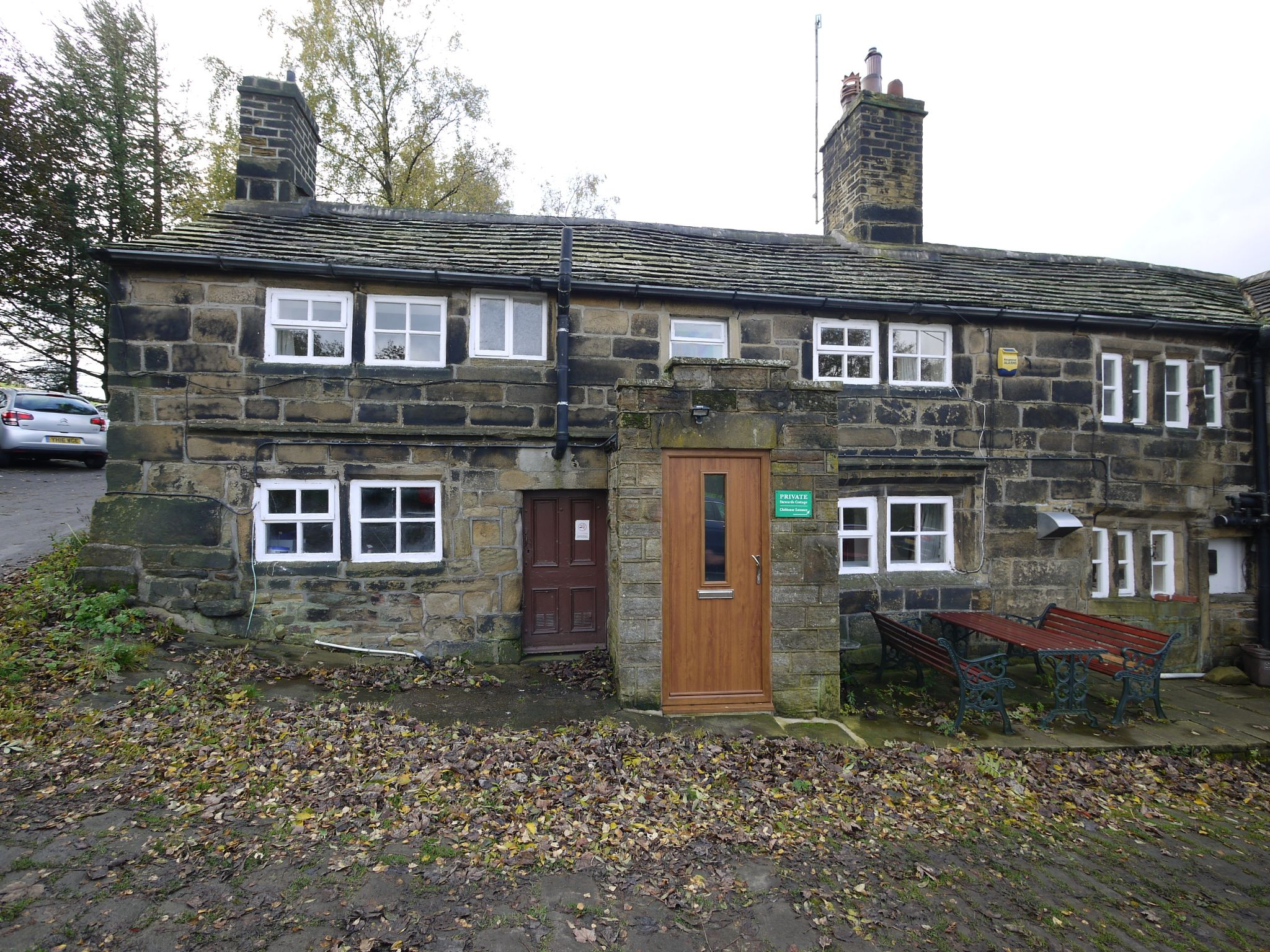 2 bedroom cottage house To Let in Sowerby Bridge - Main.