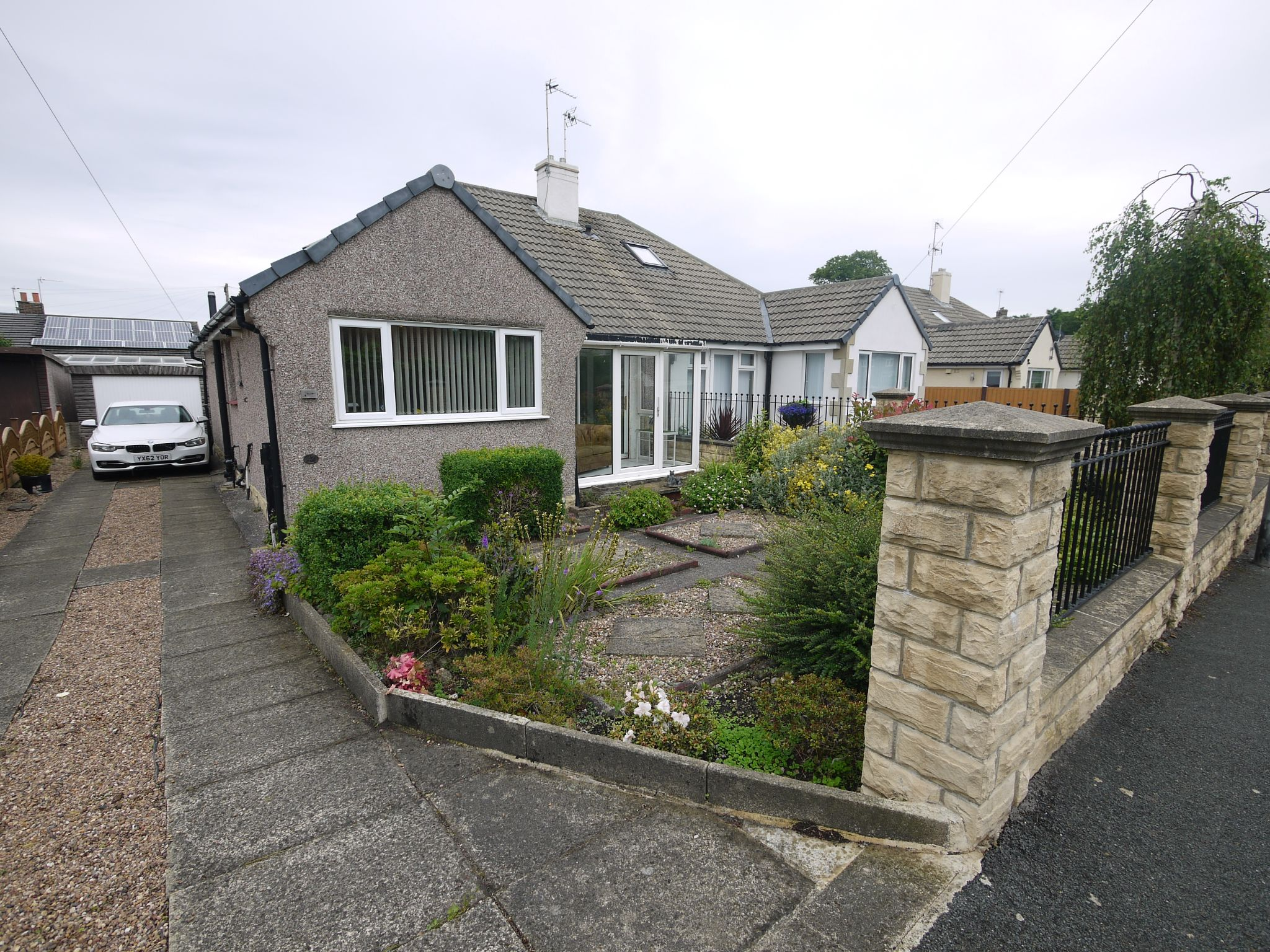 2 bedroom semi-detached bungalow For Sale in Brighouse - Front.
