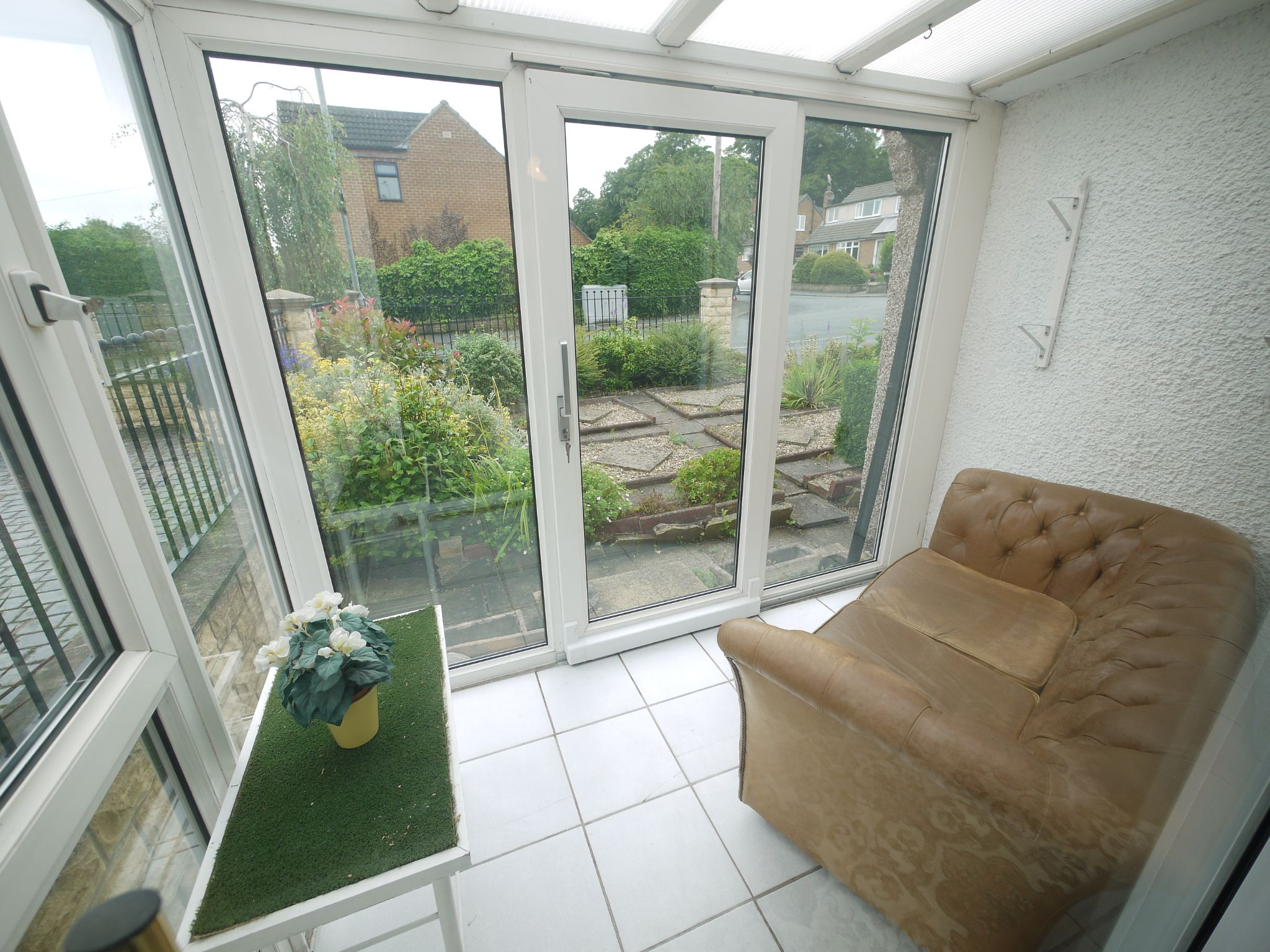 2 bedroom semi-detached bungalow SSTC in Brighouse - Conservatory/Sun lounge.