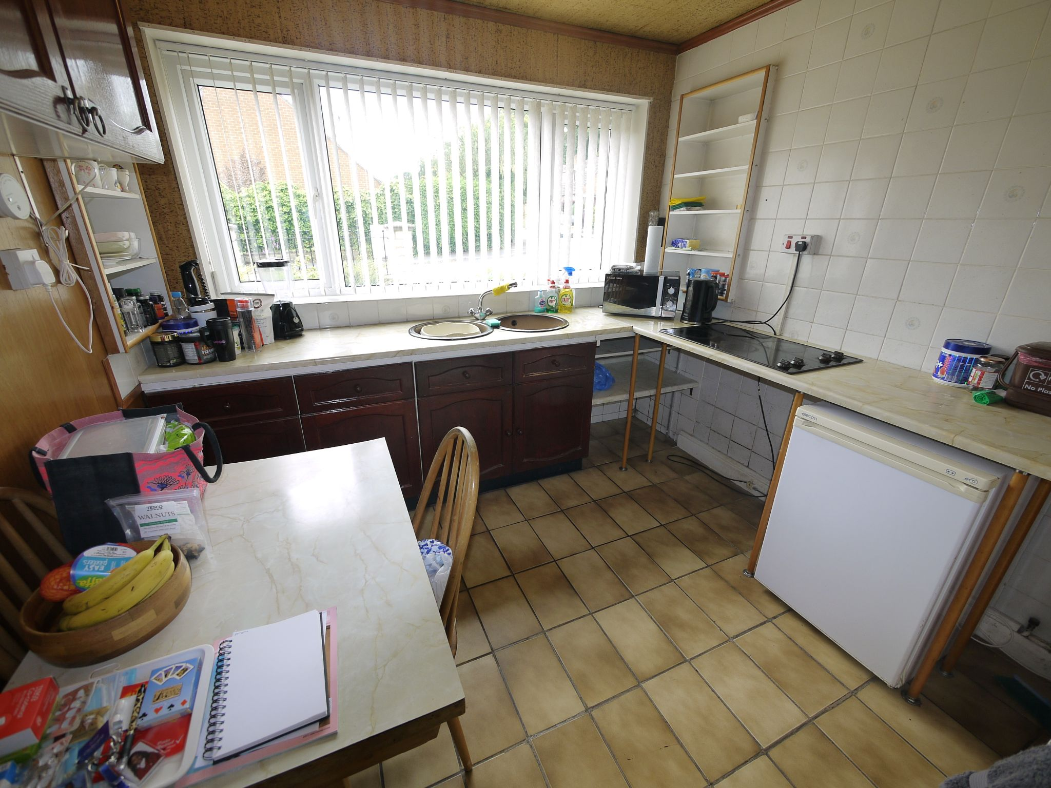 2 bedroom semi-detached bungalow SSTC in Brighouse - Kitchen.