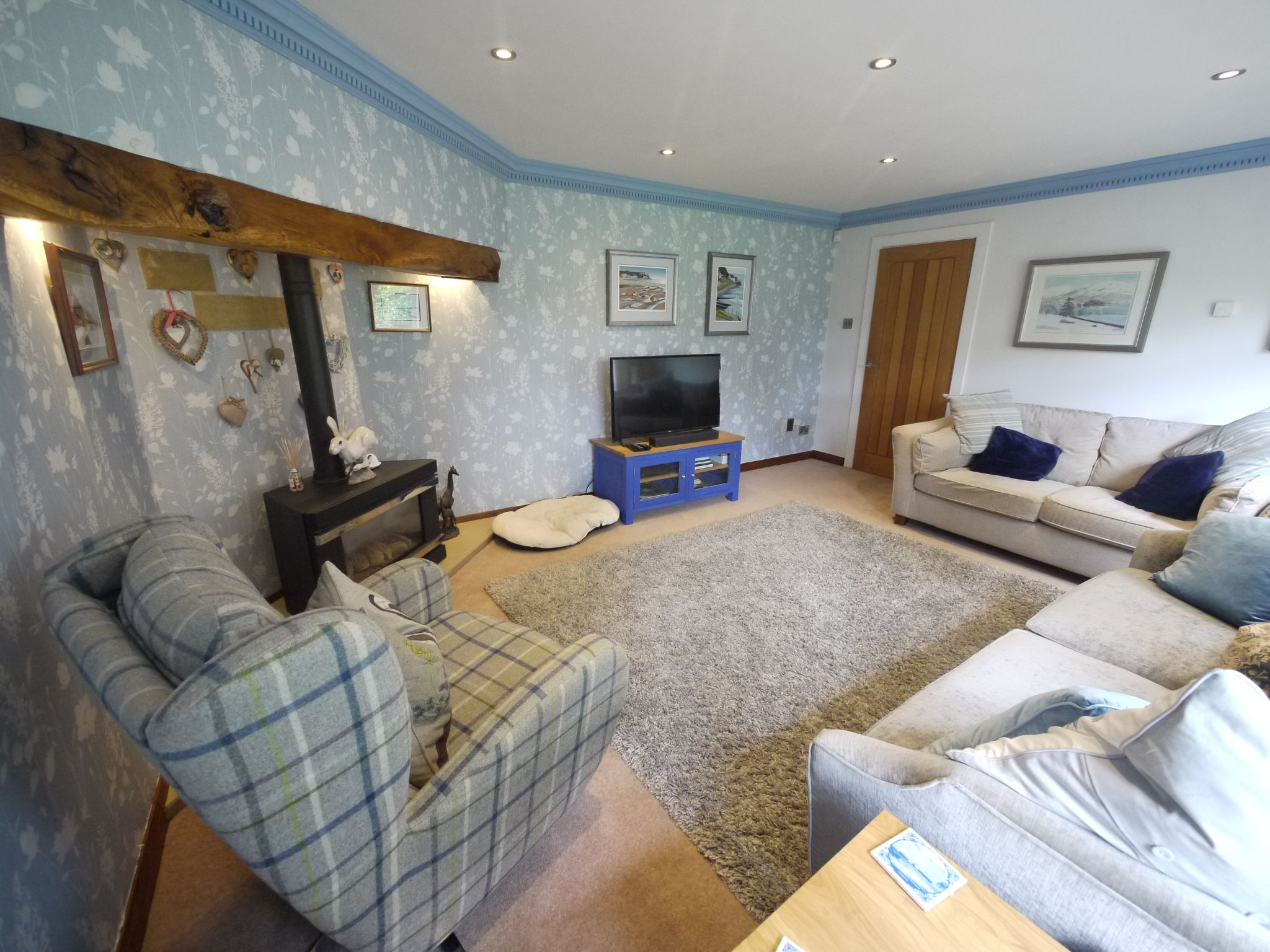 4 bedroom detached house For Sale in Brighouse - Lounge 2.