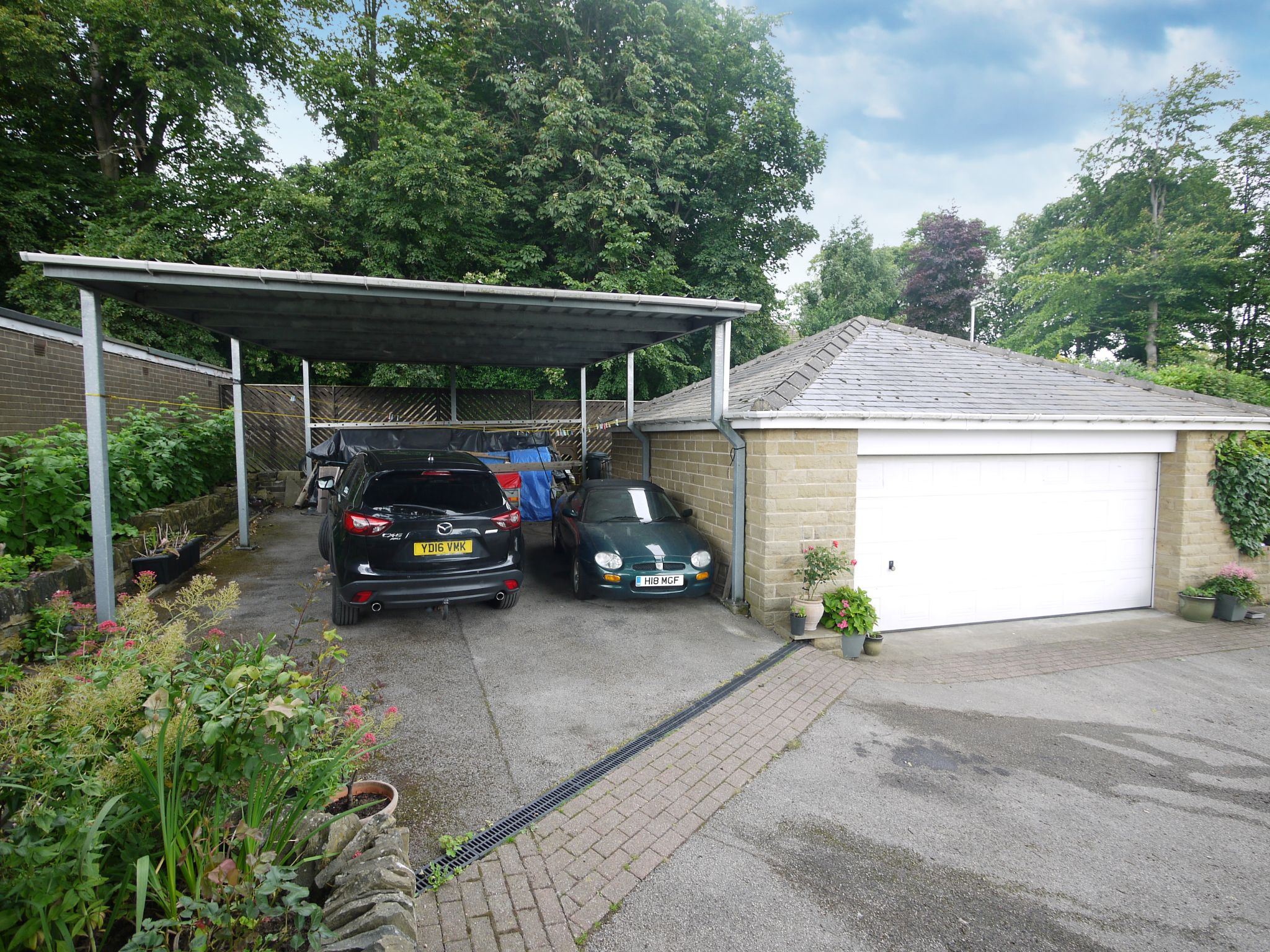 4 bedroom detached house For Sale in Brighouse - Exterior.