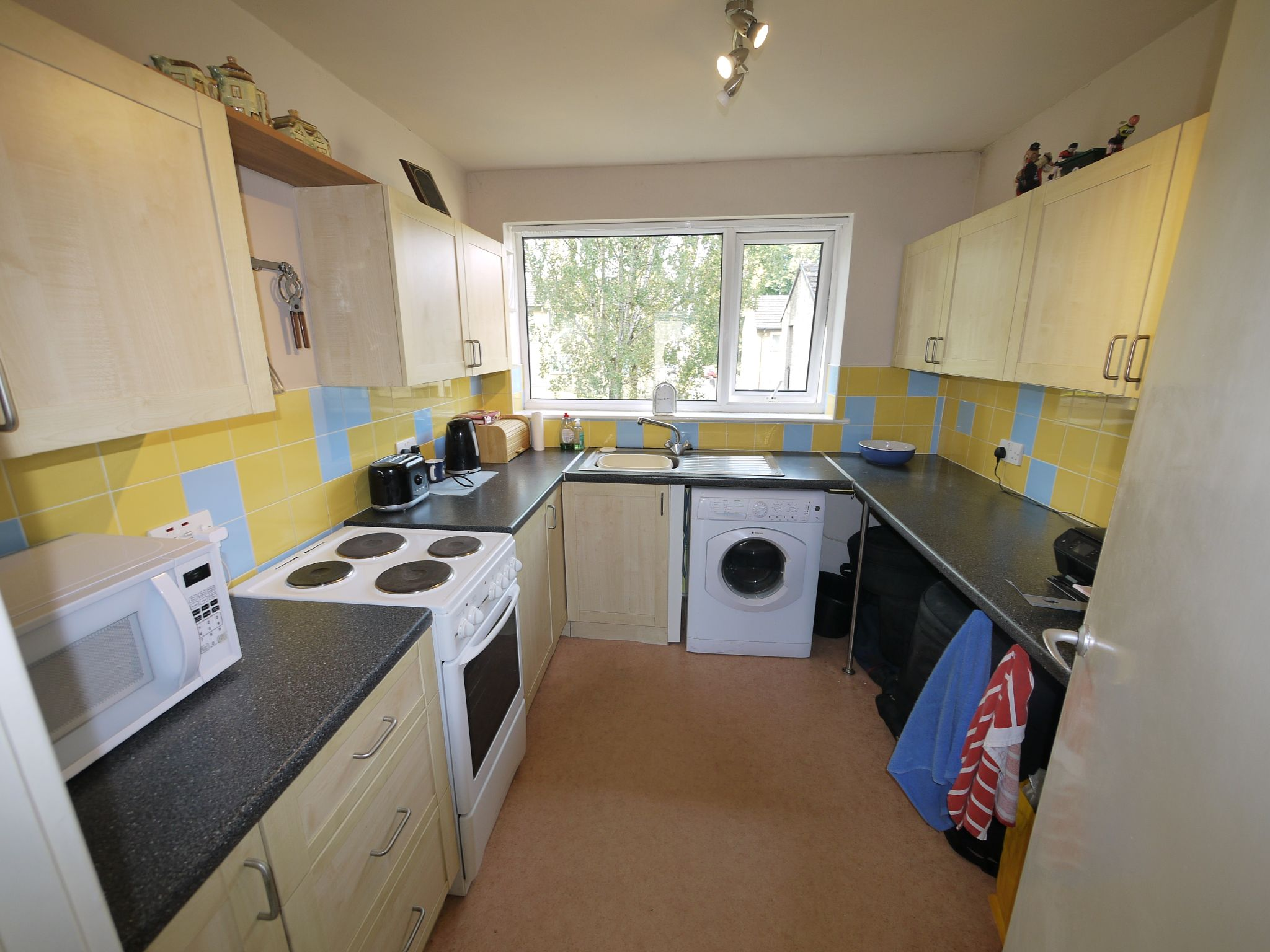 1 bedroom flat flat/apartment SSTC in Brighouse - Kitchen.