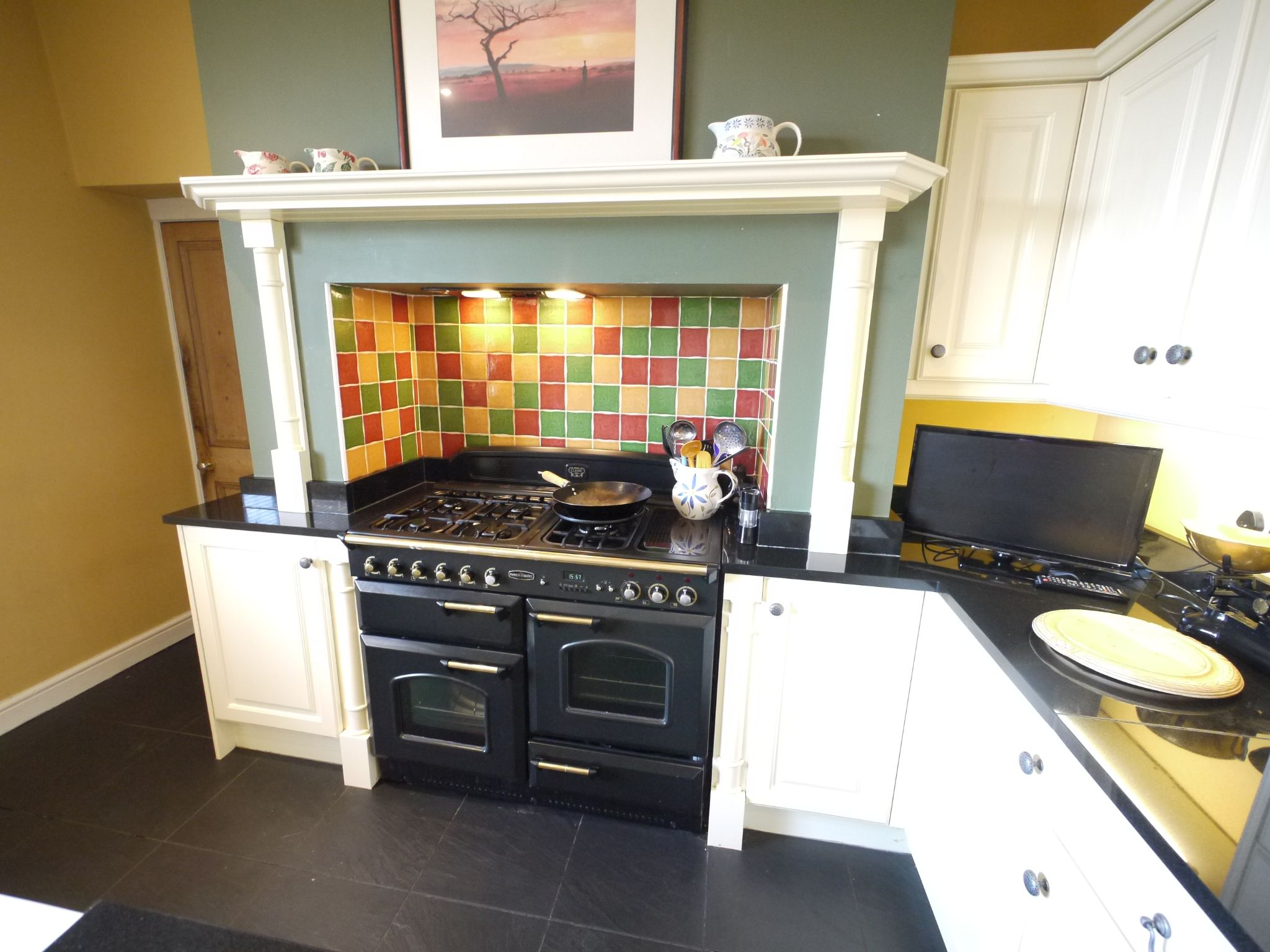 5 bedroom end terraced house Sold in Halifax - Kitchen 4.