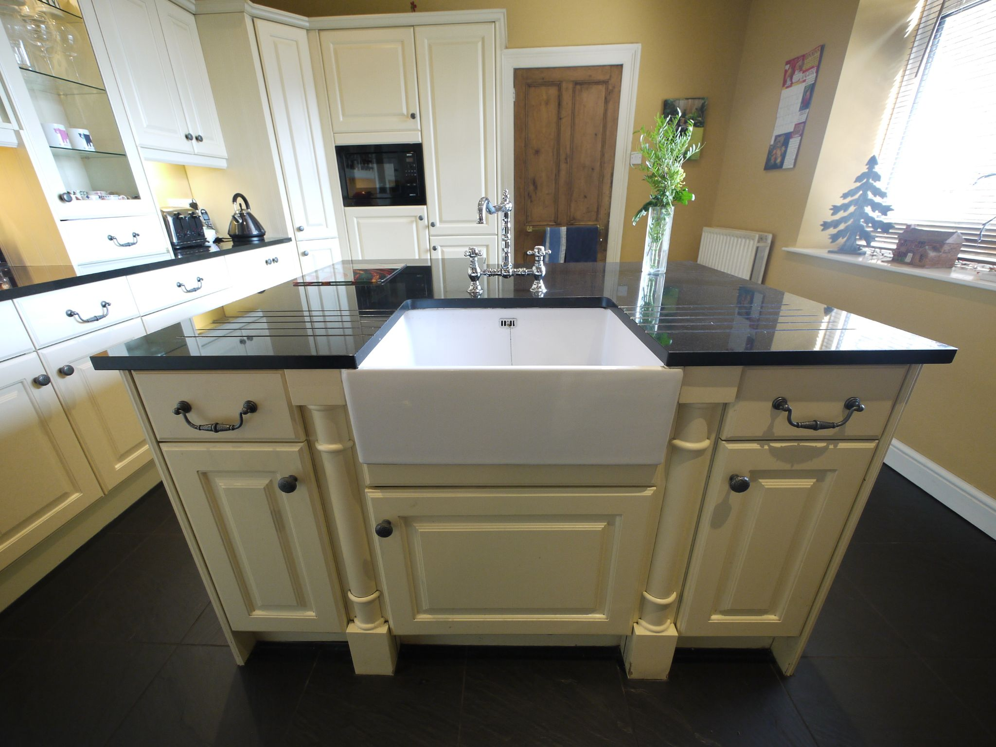 5 bedroom end terraced house Sold in Halifax - Kitchen 3.