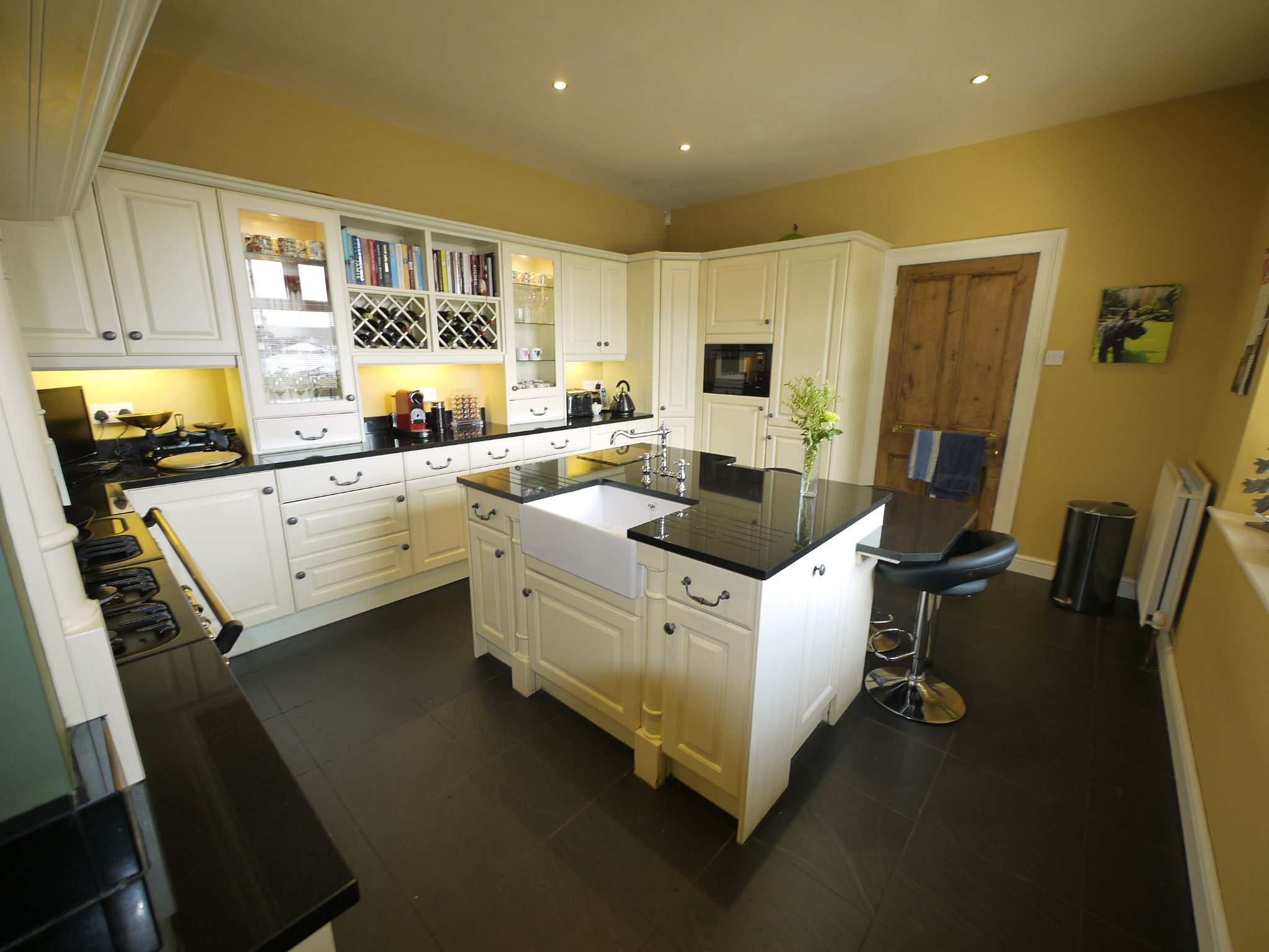 5 bedroom end terraced house Sold in Halifax - Kitchen 2.