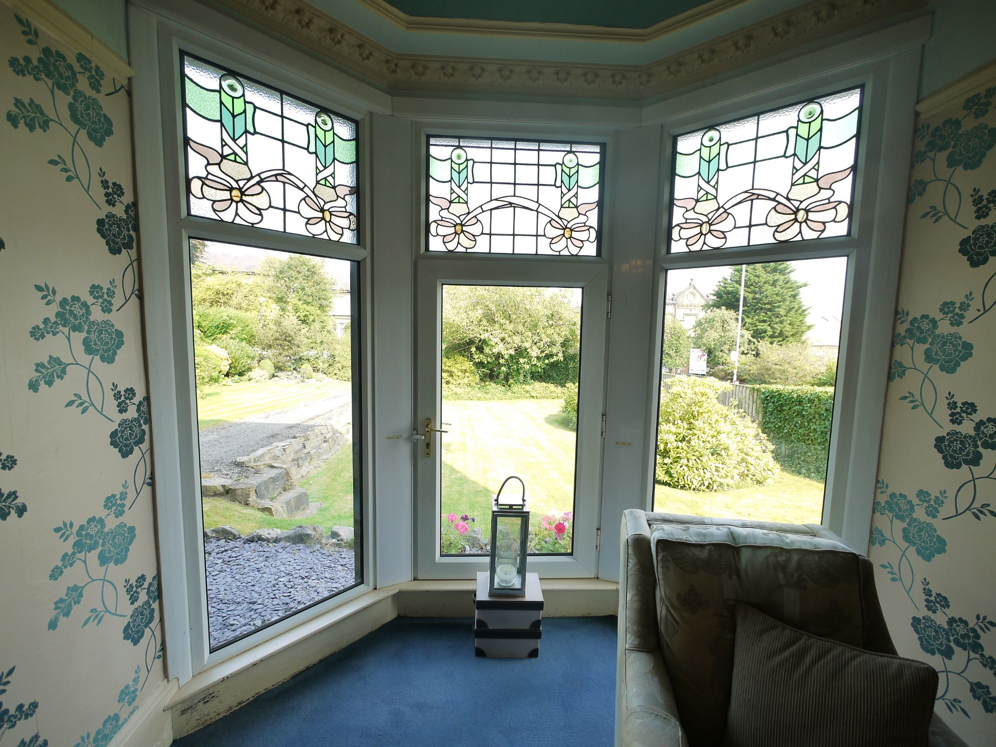 5 bedroom end terraced house Sold in Halifax - Lounge bay window.