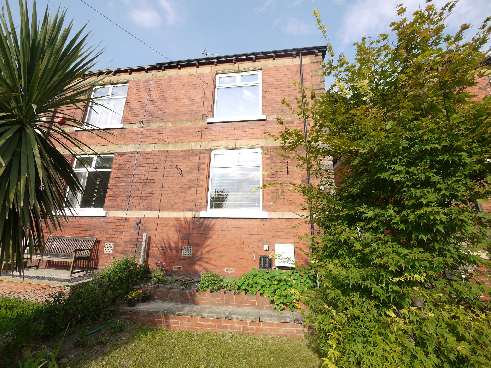 2 bedroom semi-detached house SSTC in Brighouse - Main.