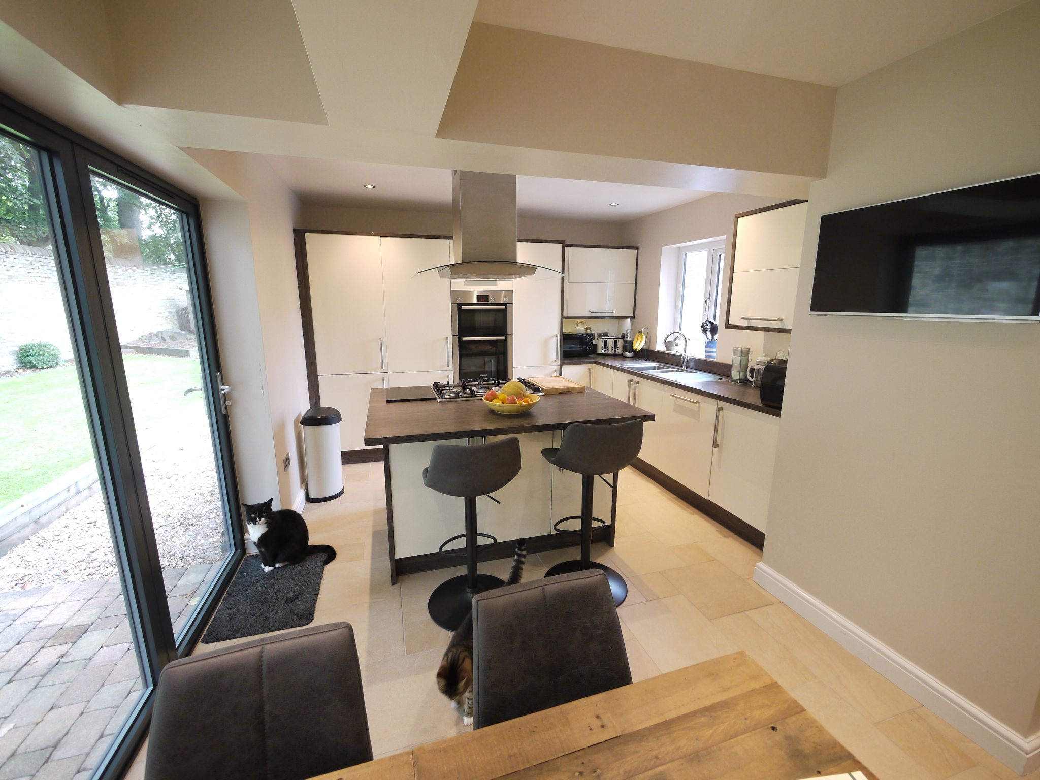 3 bedroom semi-detached house SSTC in Brighouse - Dining Kitchen.