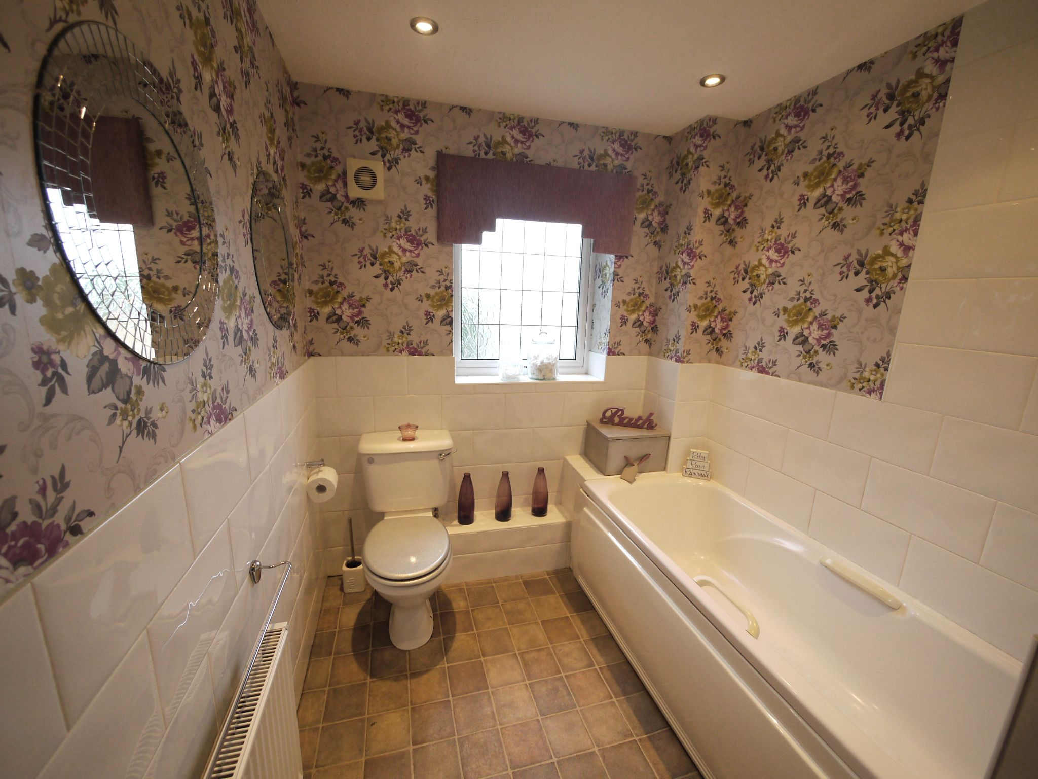 4 bedroom town house For Sale in Brighouse - Bathroom.