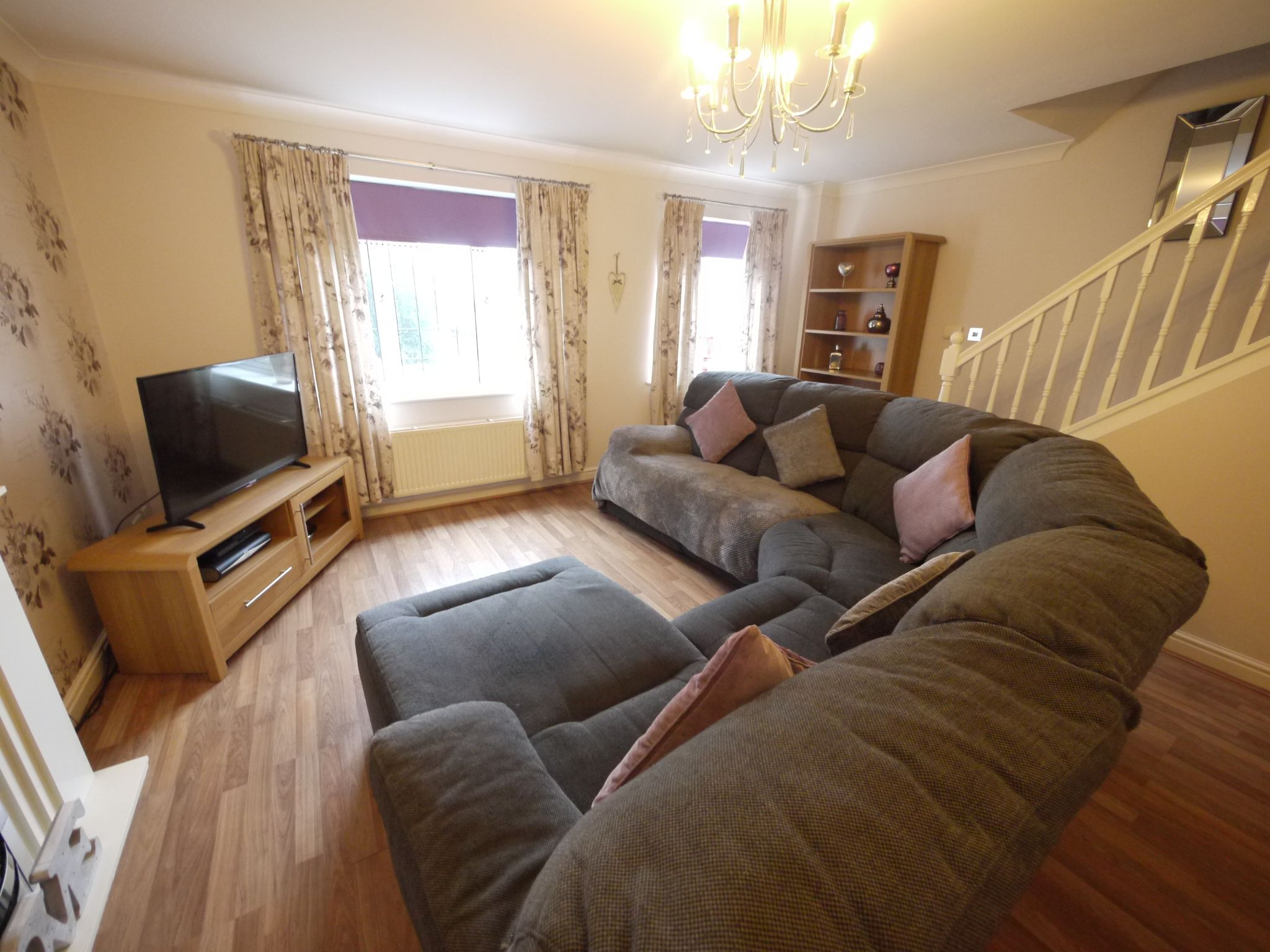 4 bedroom town house For Sale in Brighouse - Lounge 2.