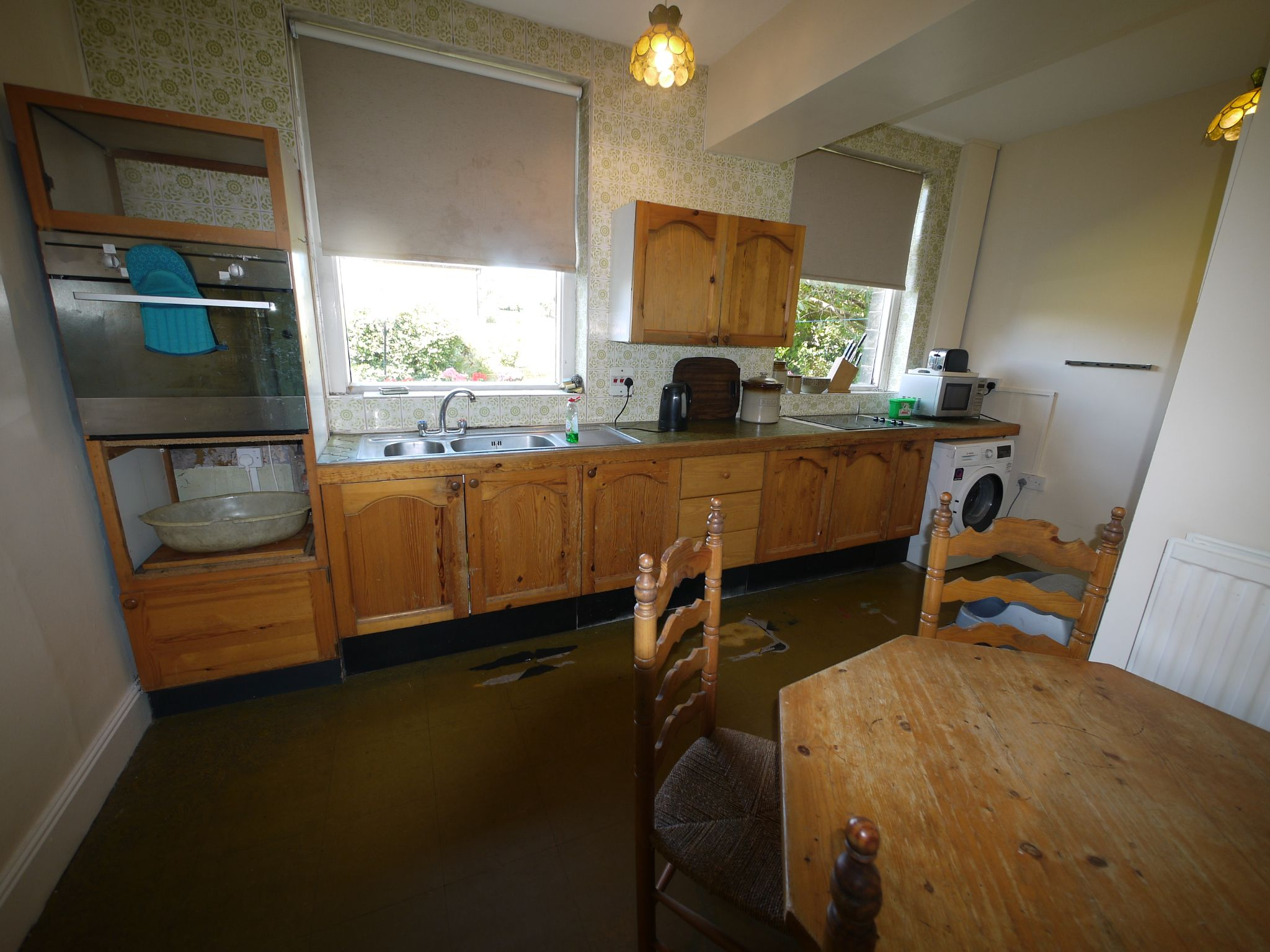 4 bedroom semi-detached house SSTC in Brighouse - Kitchen.