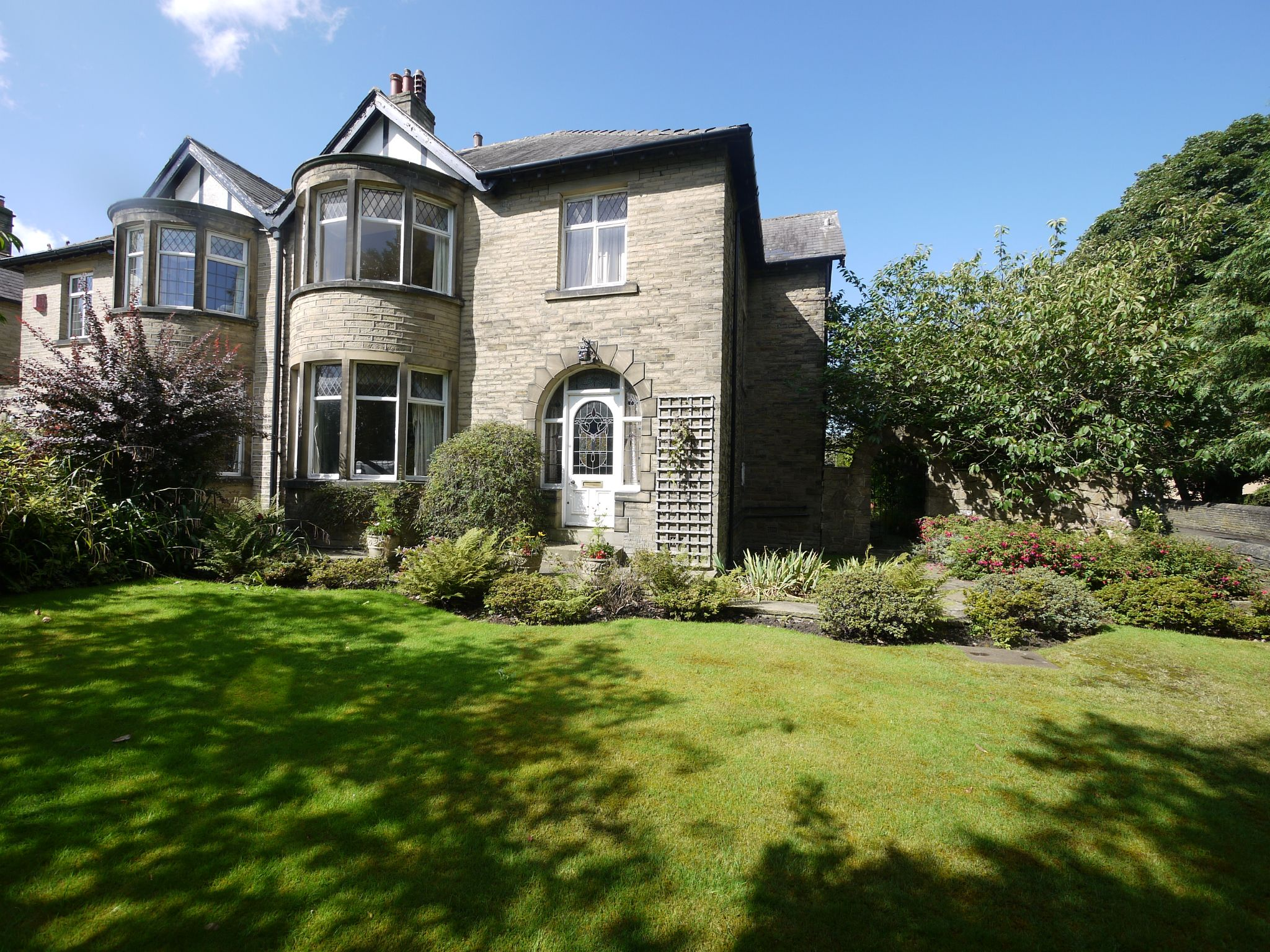 4 bedroom semi-detached house SSTC in Brighouse - Main.