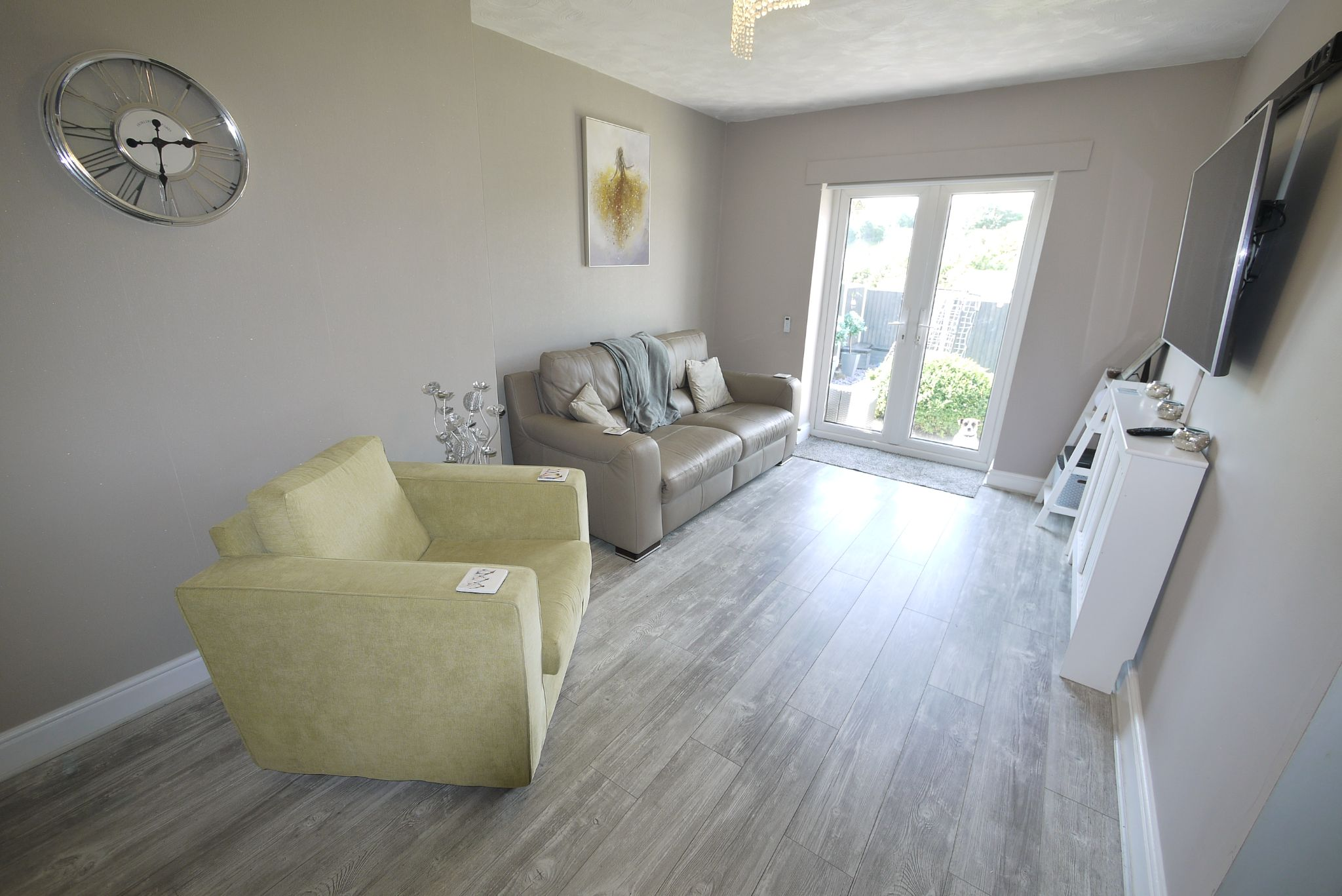 3 bedroom detached bungalow SSTC in Brighouse - Photograph 2.