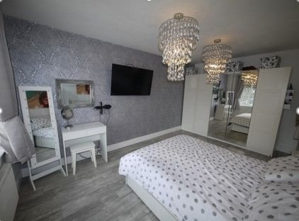 3 bedroom detached bungalow SSTC in Brighouse - Photograph 6.
